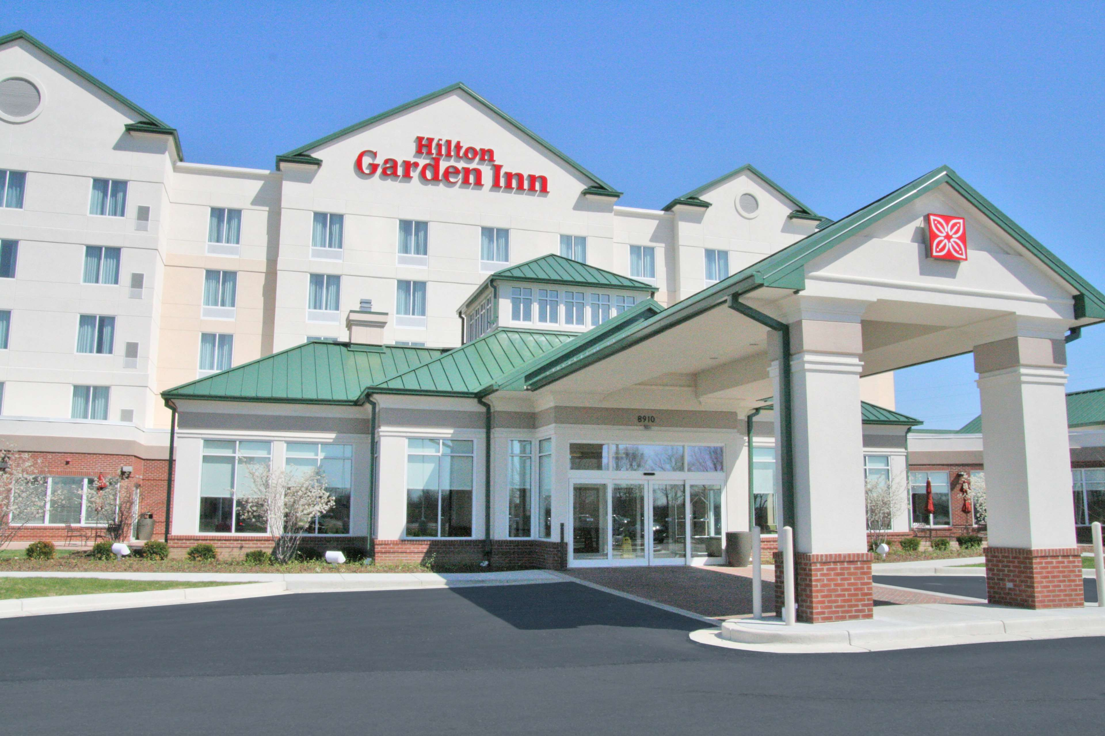 Hilton Garden Inn Indianapolis Airport image 1