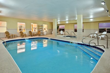 Country Inn & Suites by Radisson, Moline Airport, IL image 0