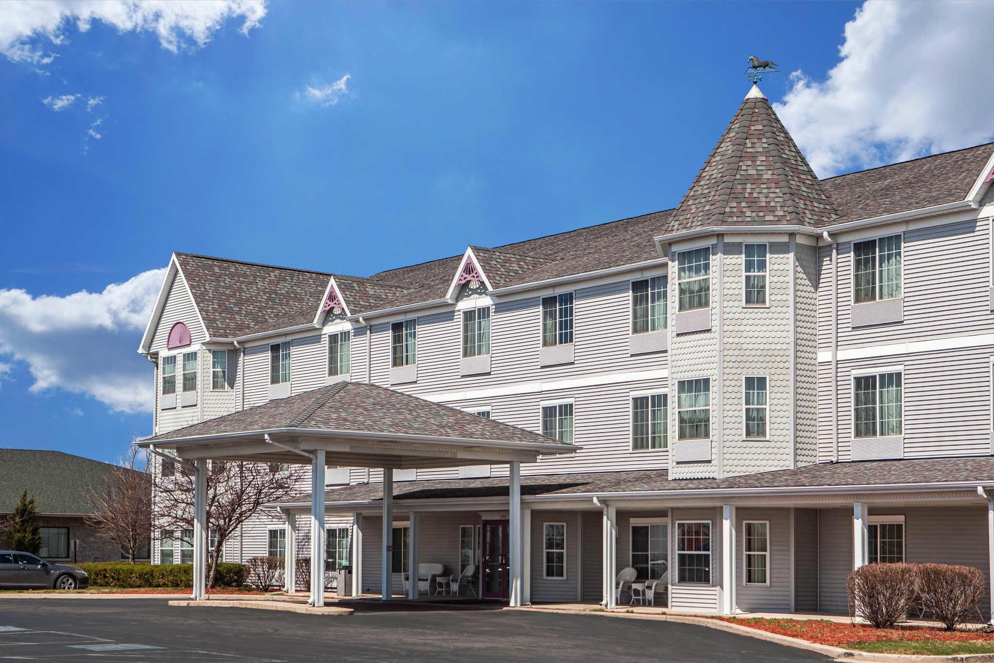 Comfort Inn & Suites in Geneva, IL, photo #1