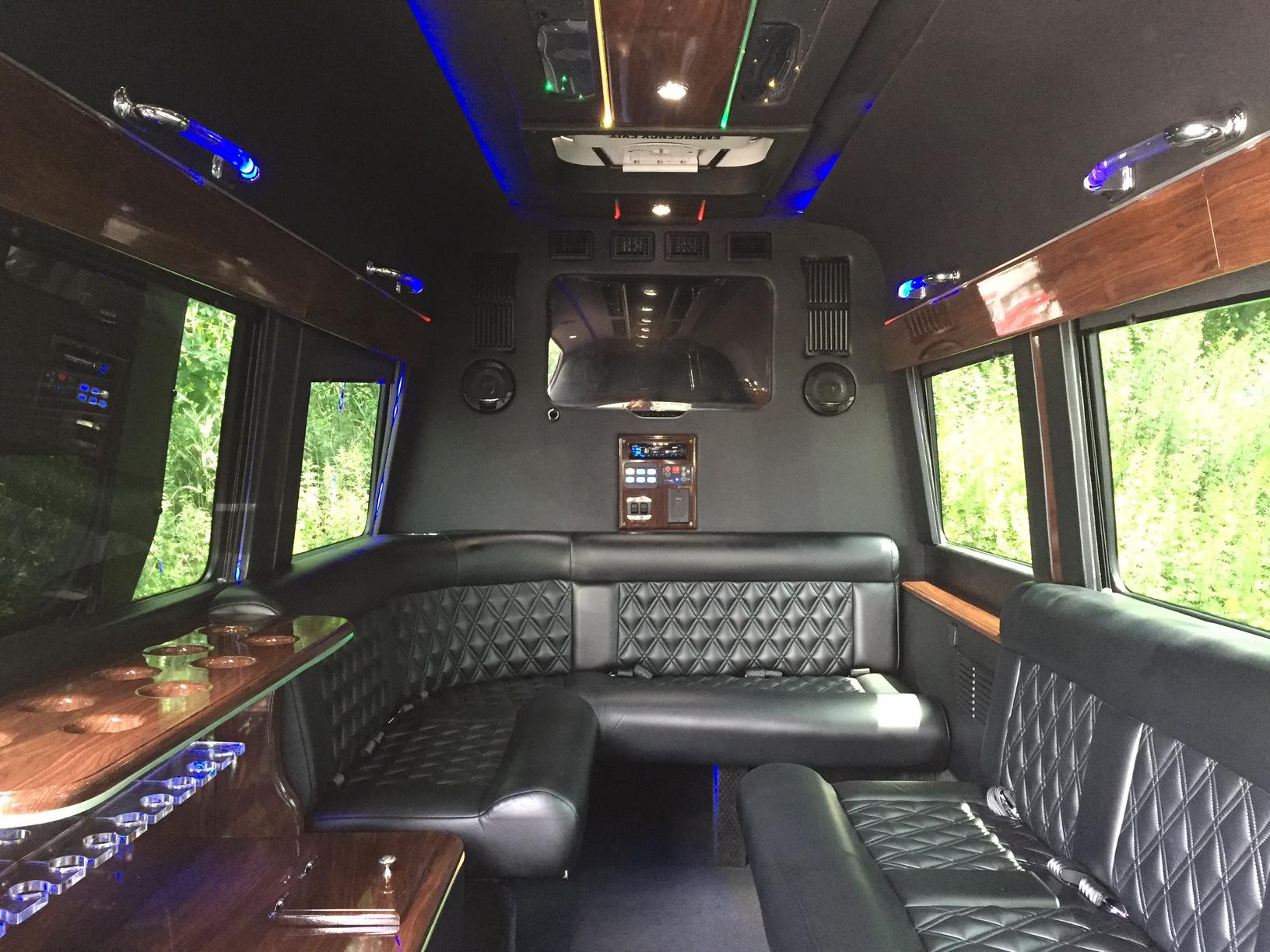 Bella Limousine image 3