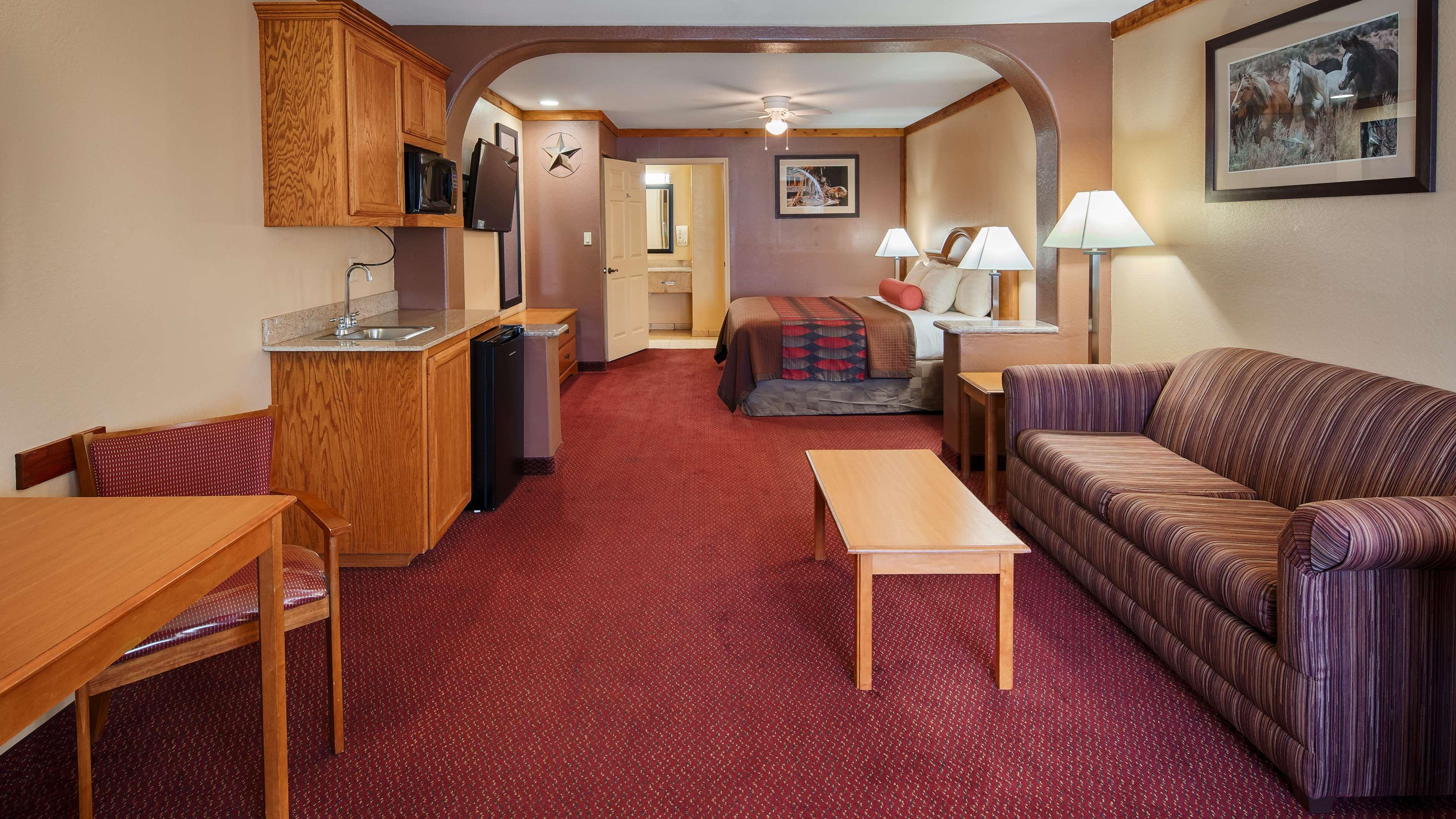Best Western Windwood Inn & Suites image 13