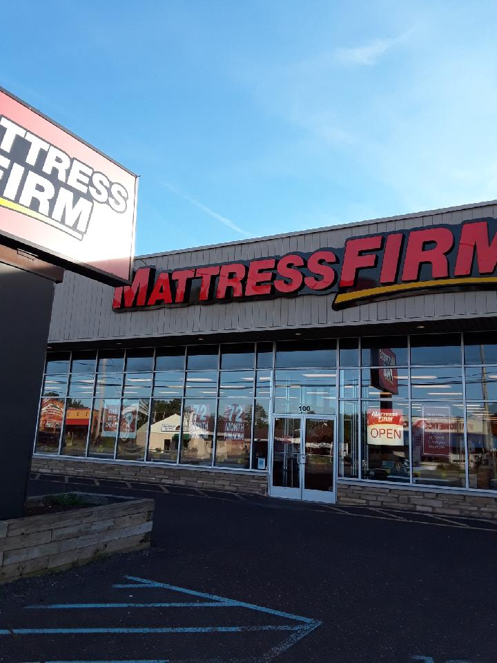 Mattress Firm Clearance image 0
