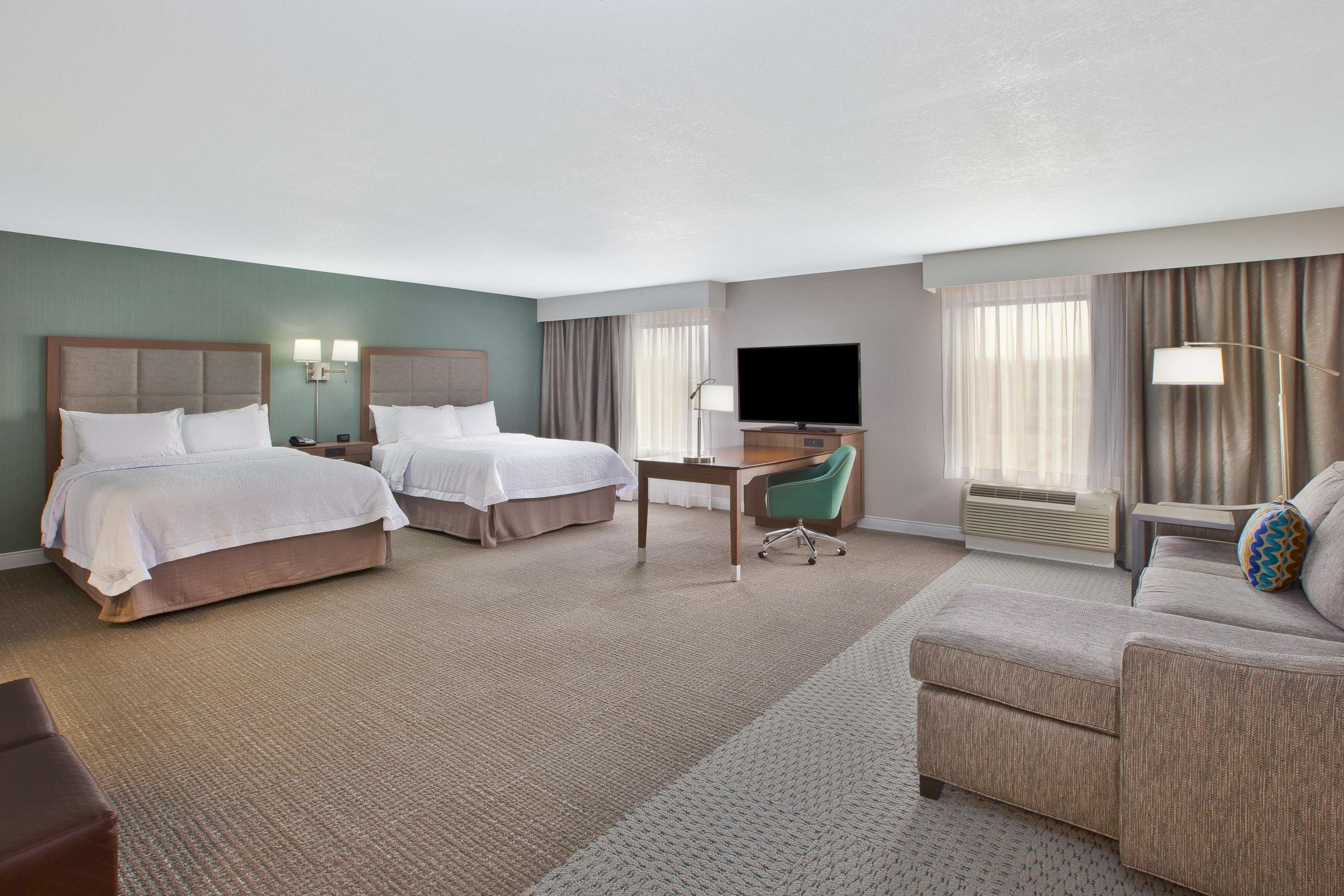 Hampton Inn & Suites Alliance image 18