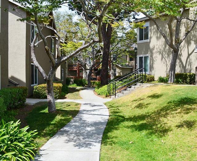 Canyon Club Apartments image 1