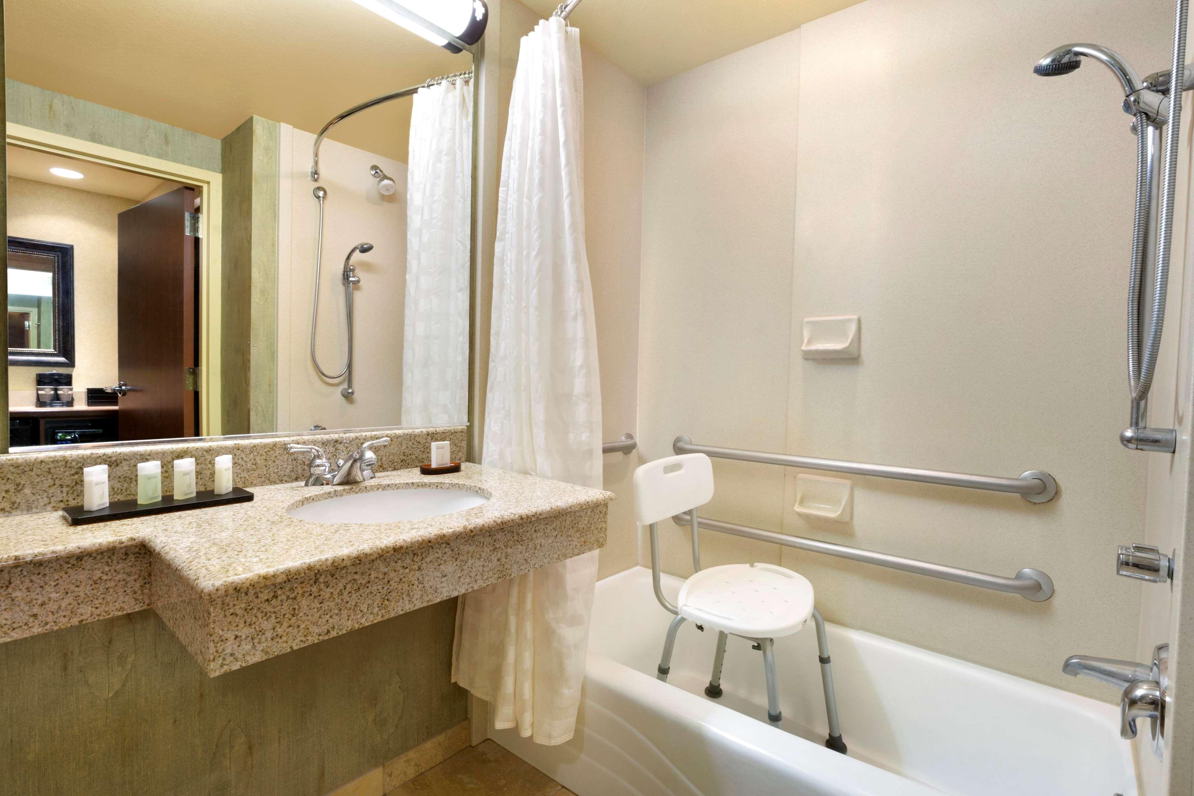 Embassy Suites by Hilton Albuquerque Hotel & Spa image 48
