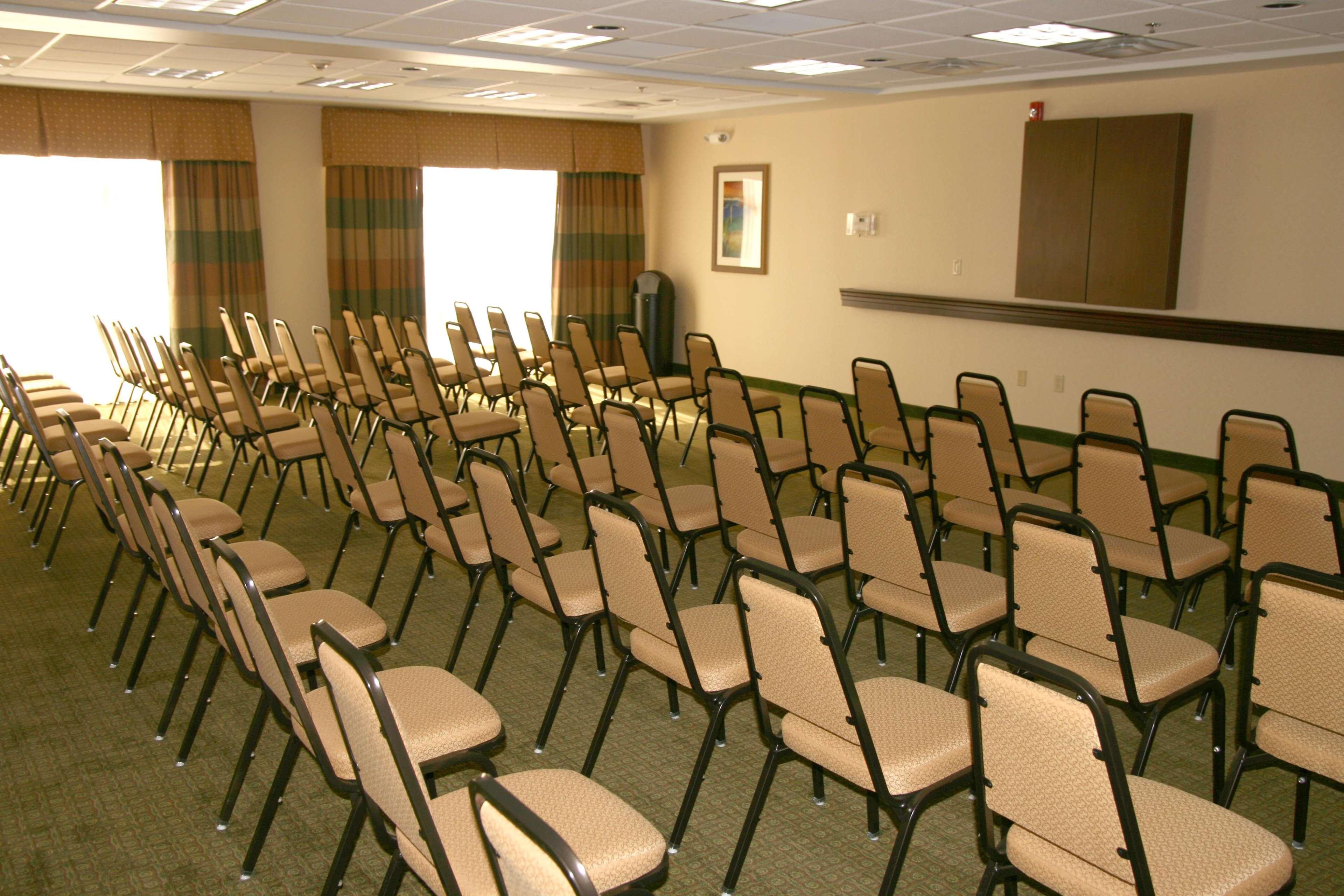 Hampton Inn & Suites Dayton-Airport image 37