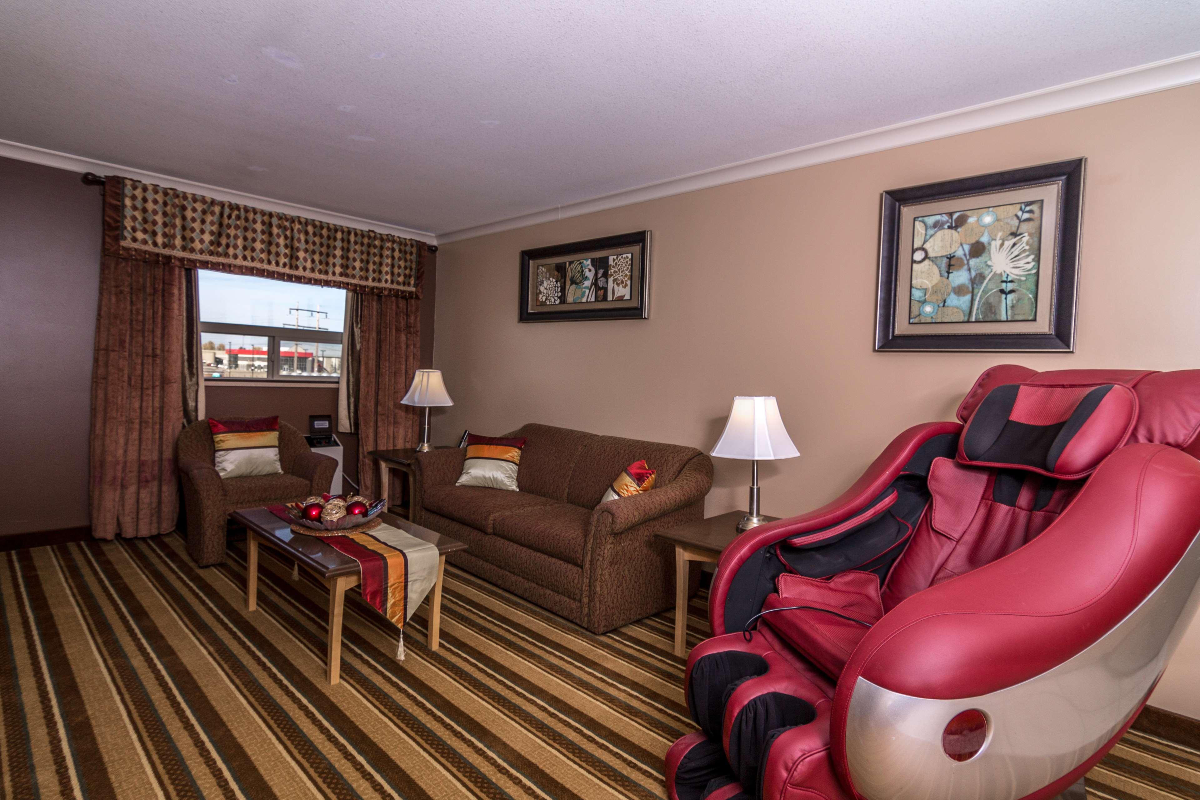 Best Western Marquis Inn & Suites in Prince Albert: Family Suite