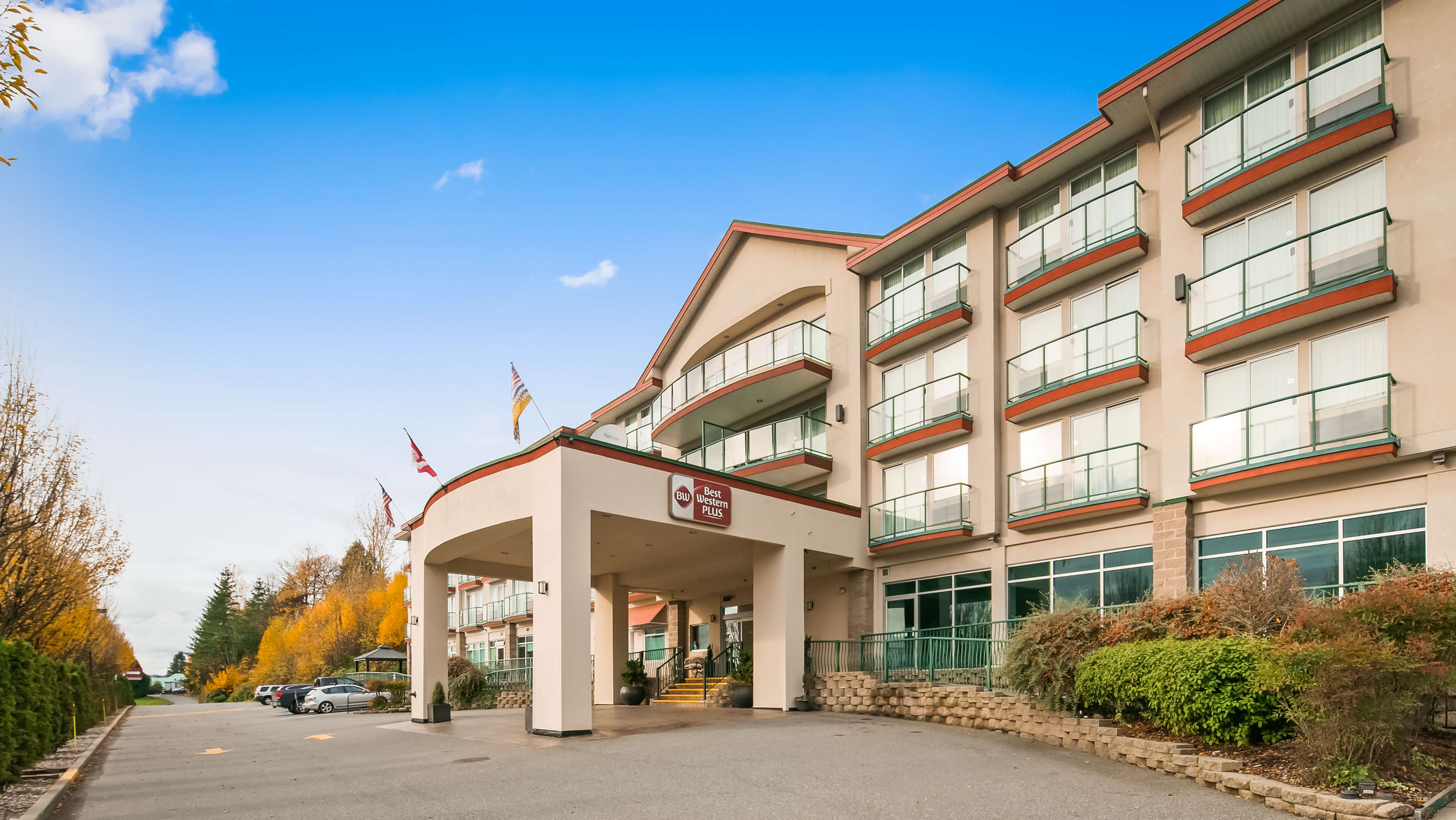 Best Western Plus Mission City Lodge in Mission: Hotel Exterior