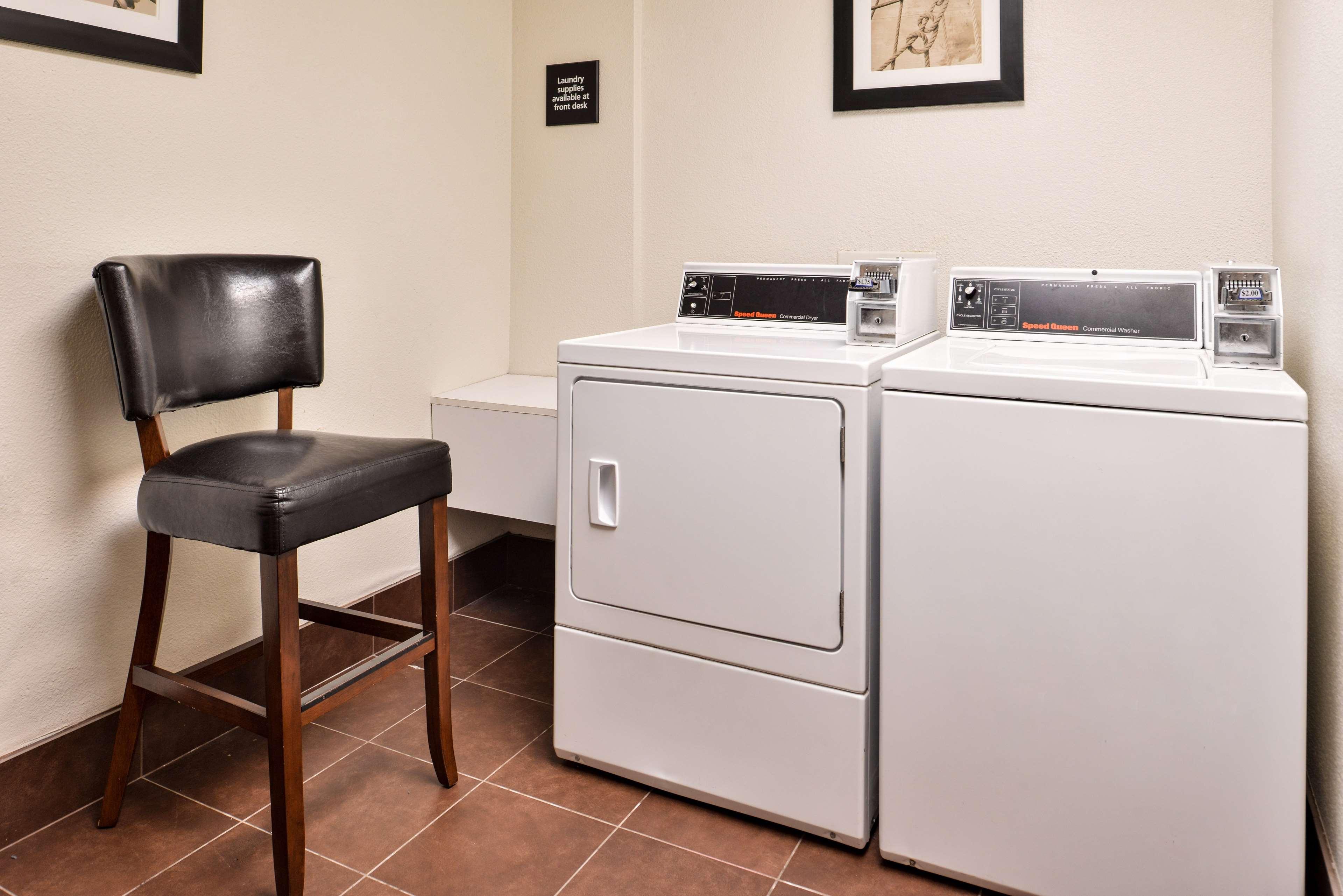 Hampton Inn & Suites Newport News (Oyster Point) image 49