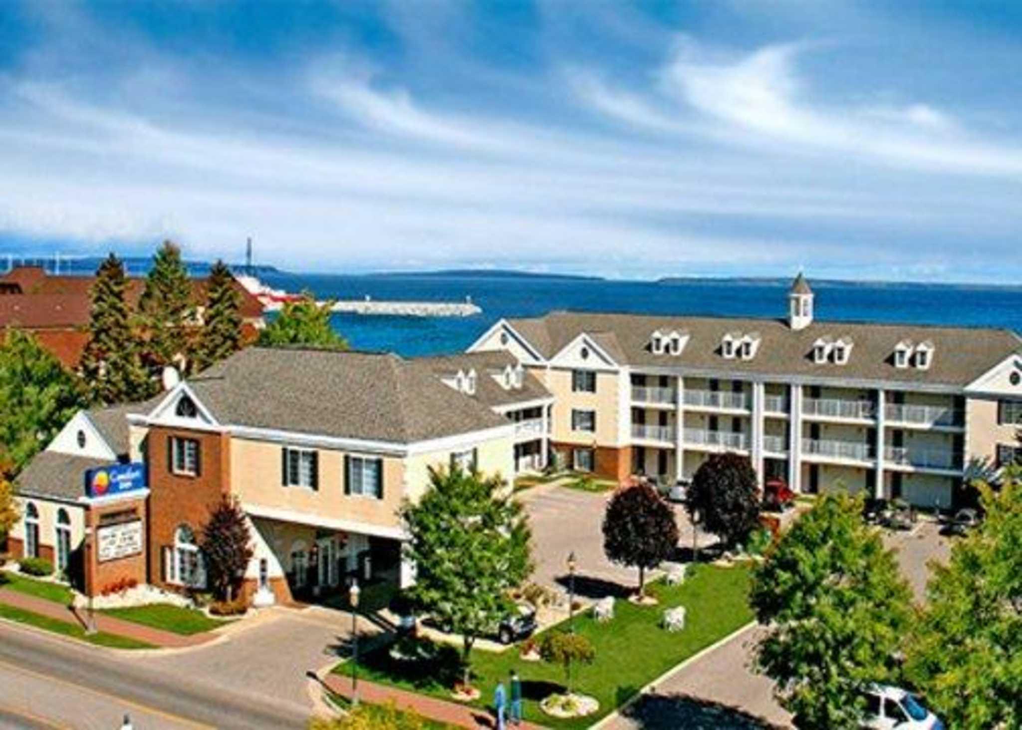 Comfort Inn Lakeside Coupons Mackinaw City Mi Near Me