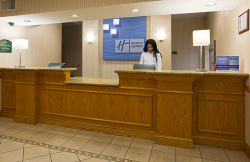 Holiday Inn Express & Suites Chanhassen - ad image