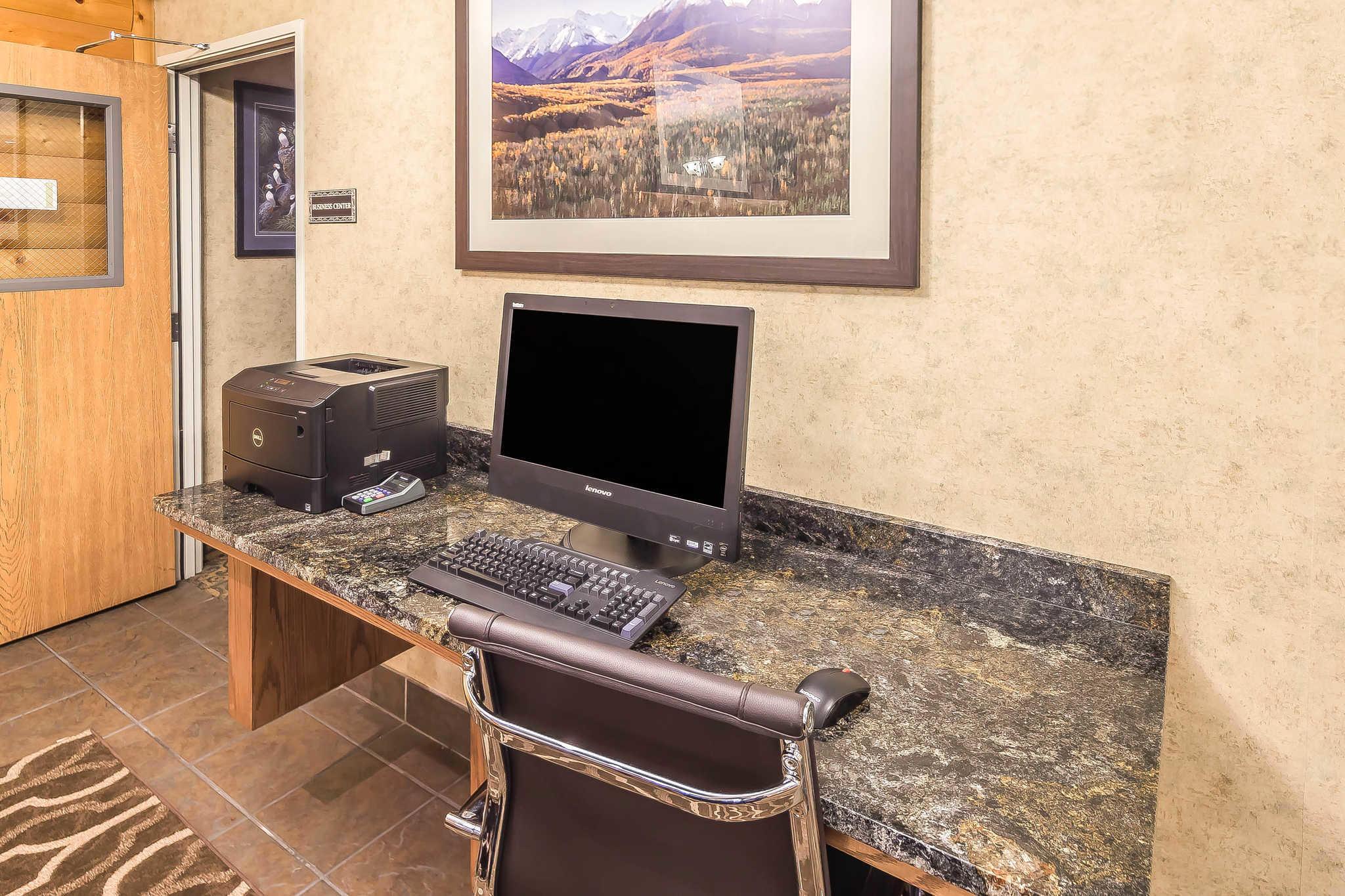 Comfort Suites Anchorage International Airport image 19