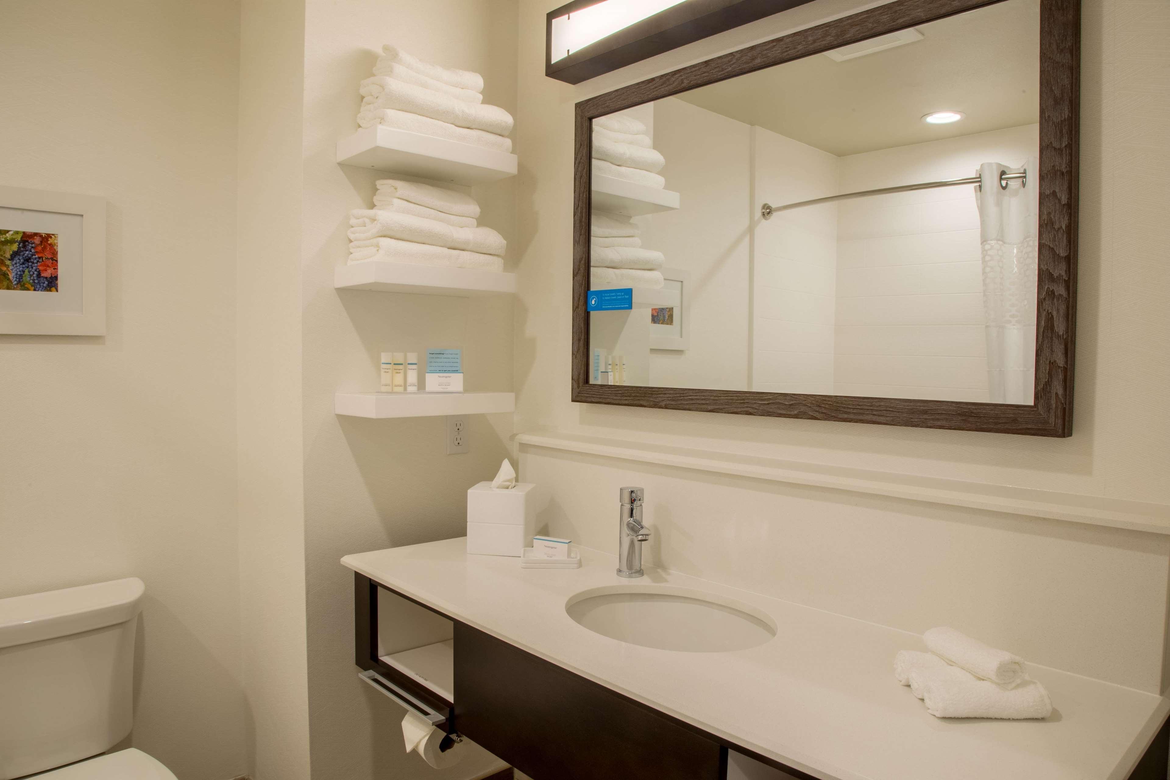 Hampton Inn & Suites Murrieta Temecula image 15
