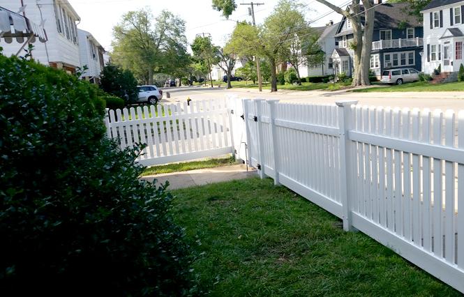 A & A Fence Construction image 2