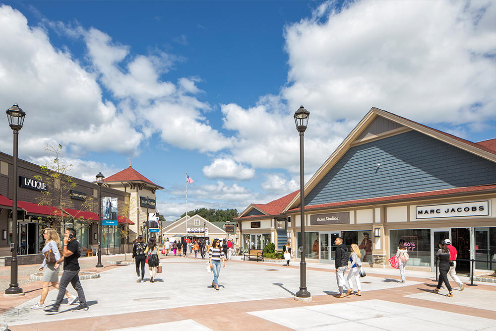 Woodbury common premium outlets outlet mall central - Michael kors jersey gardens mall ...