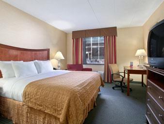 Ramada Toledo Hotel and Conference Center image 9