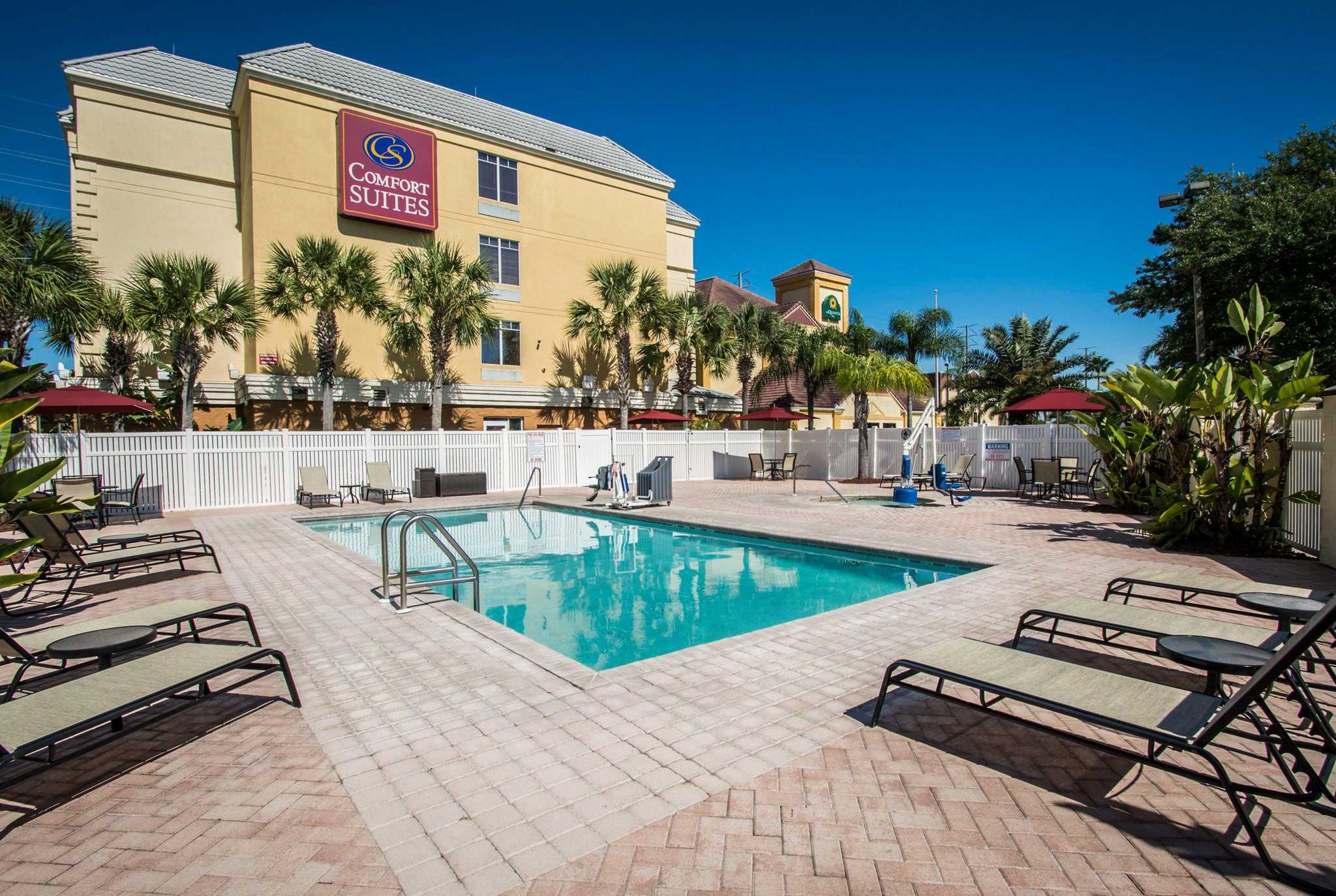 Comfort Suites Near Universal Orlando Resort image 0