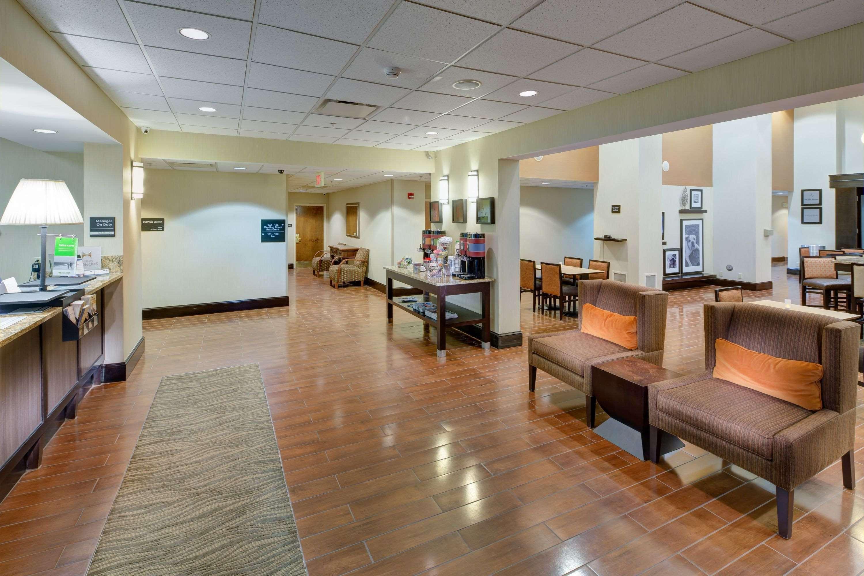 Hampton Inn & Suites Augusta West image 3