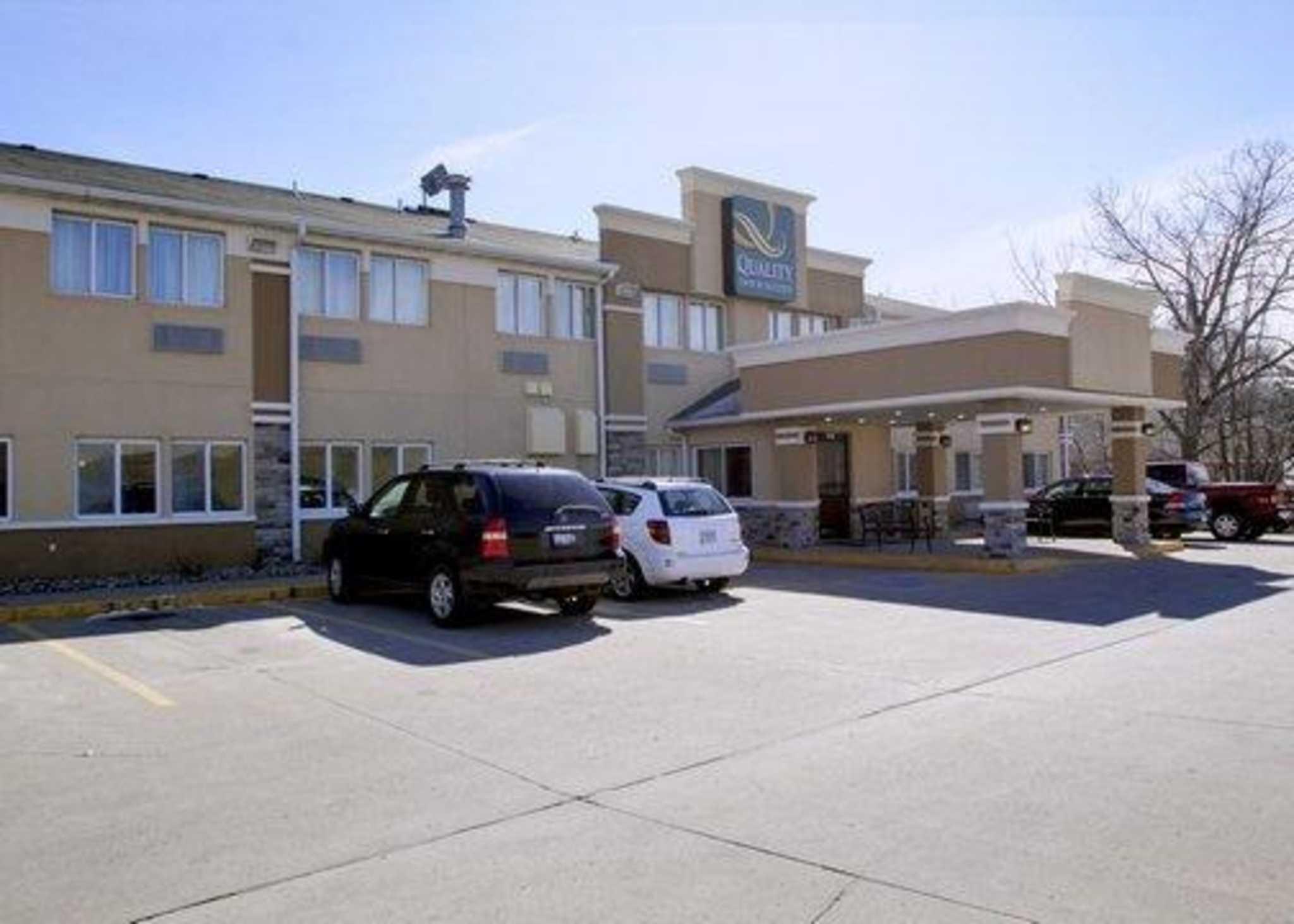 Quality Inn & Suites Des Moines Airport image 1