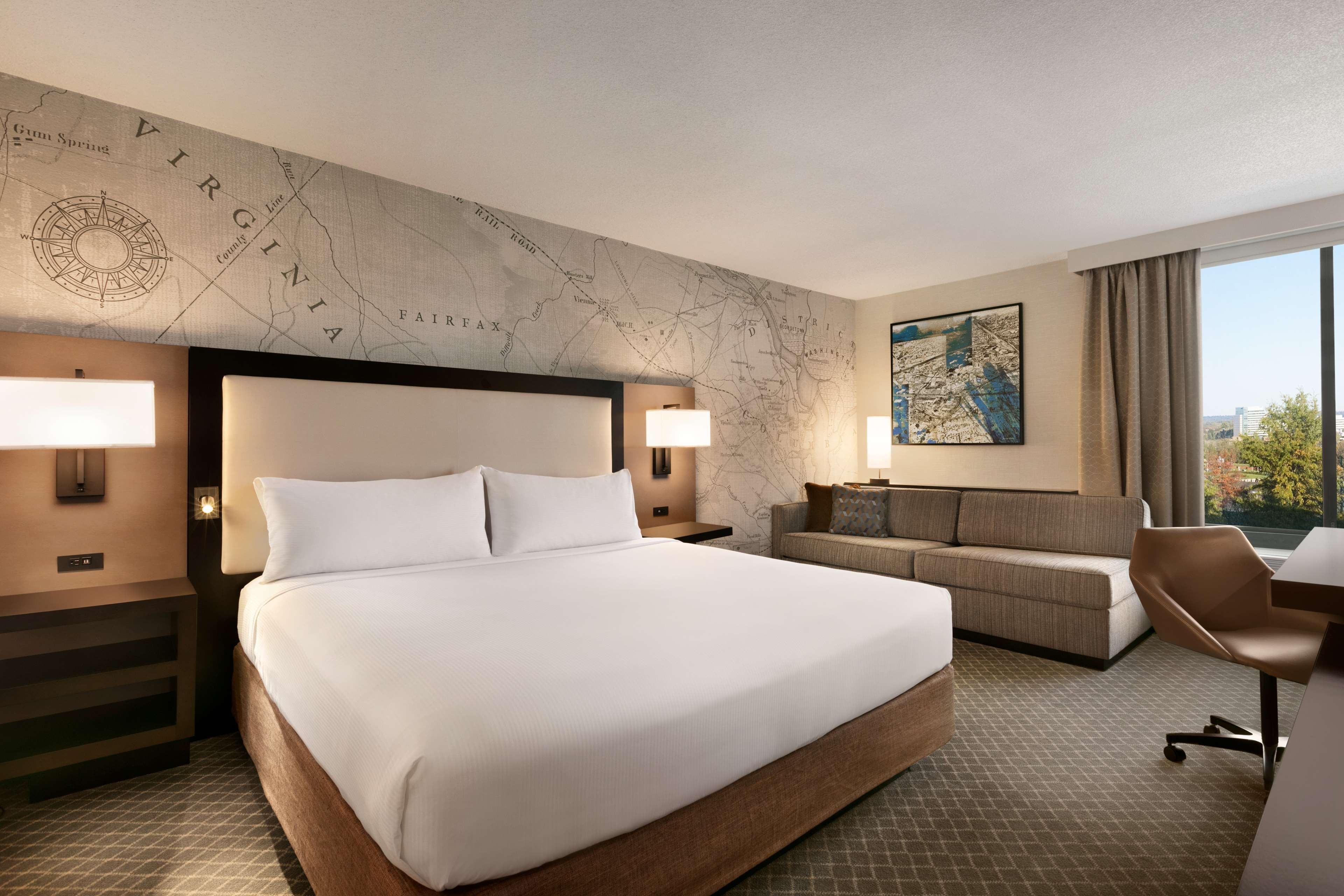 DoubleTree by Hilton McLean Tysons image 17
