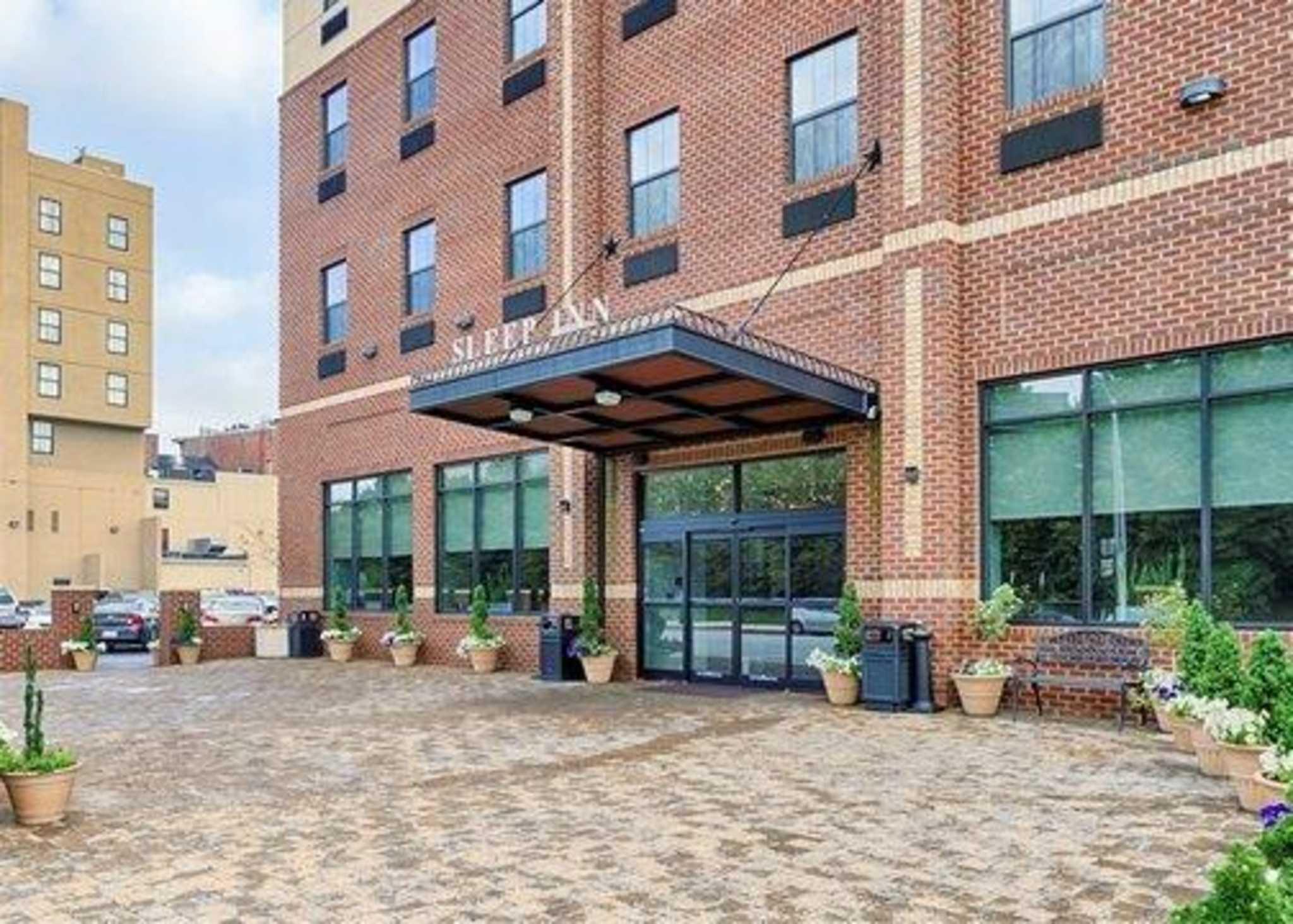 Sleep Inn & Suites Downtown Inner Harbor image 2