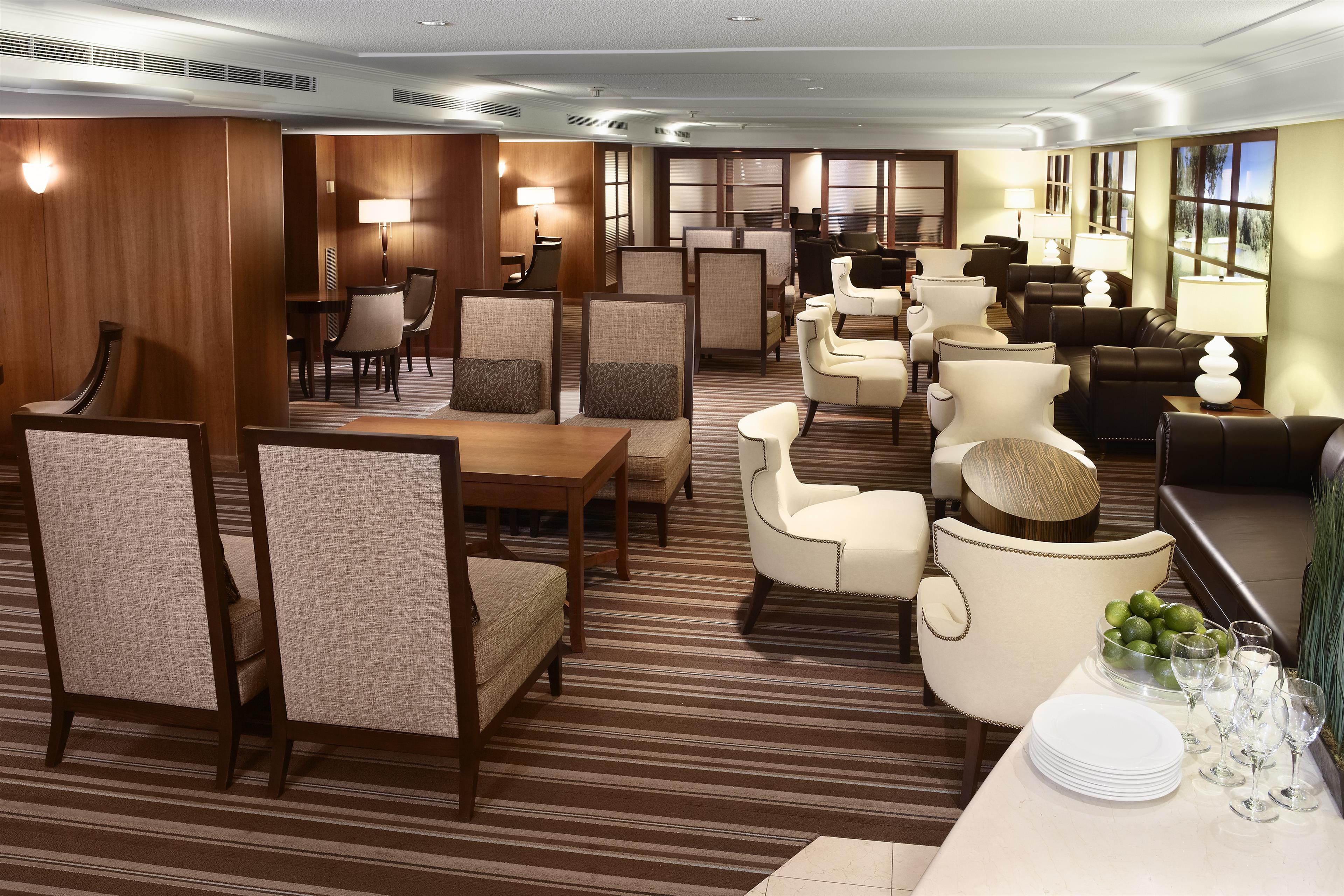 Sheraton Laval Hotel à Laval: Club Lounge