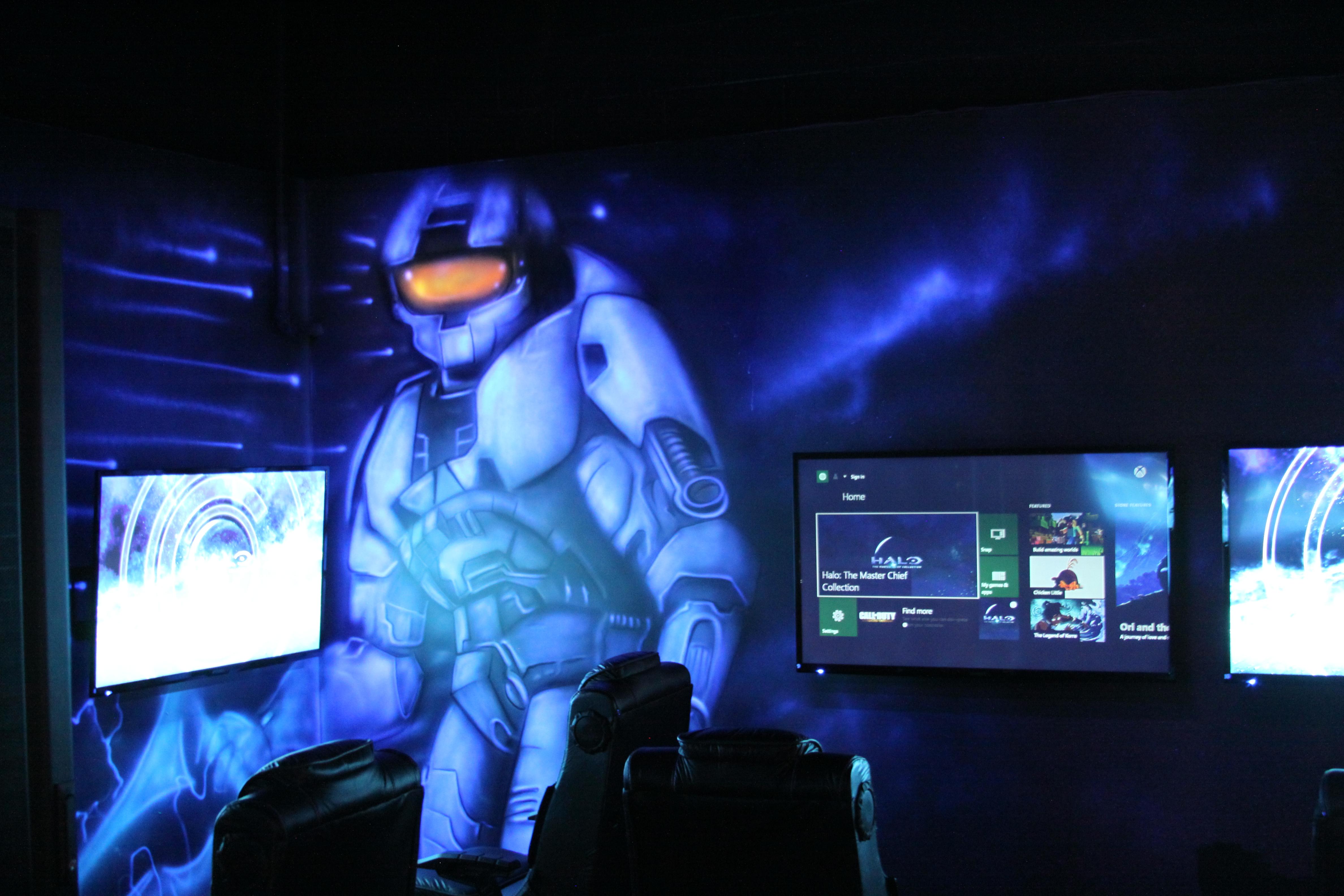 GLO Mini Golf |Arcade | Virtual Reality | Ice Cream Bar image 1
