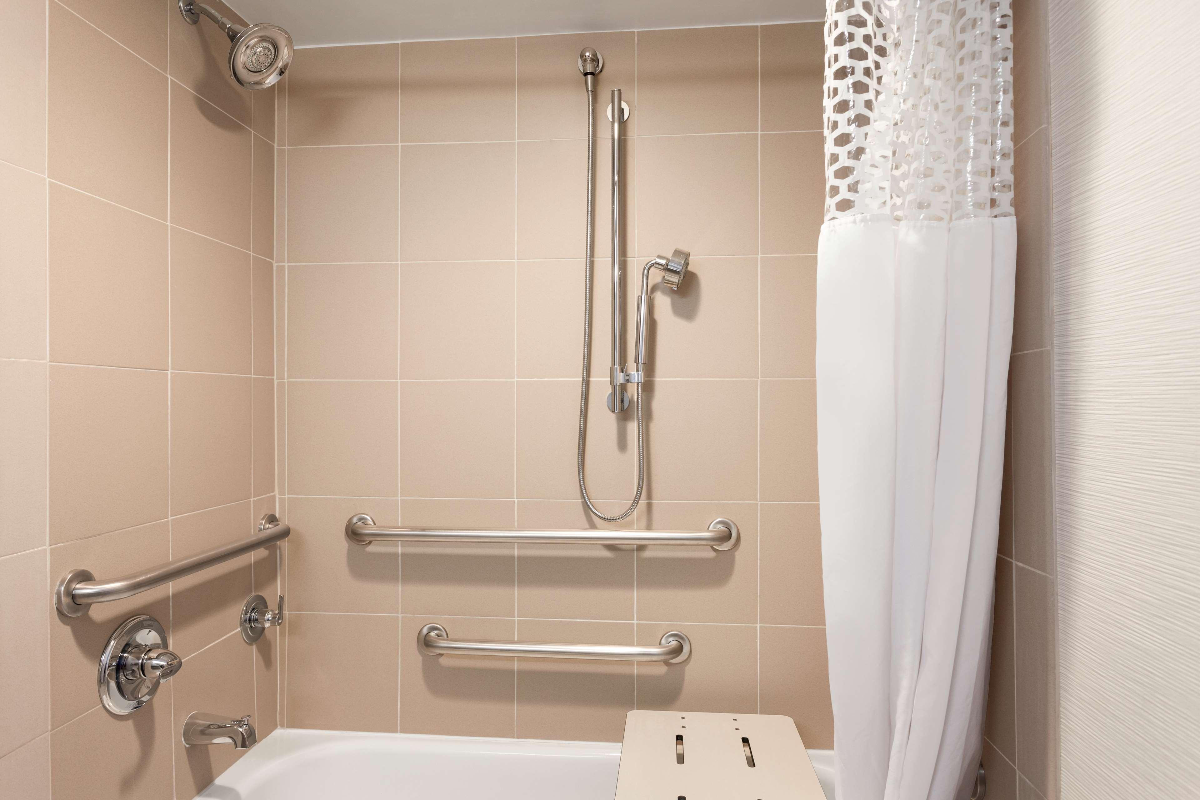 Hampton Inn & Suites Denver-Cherry Creek image 17