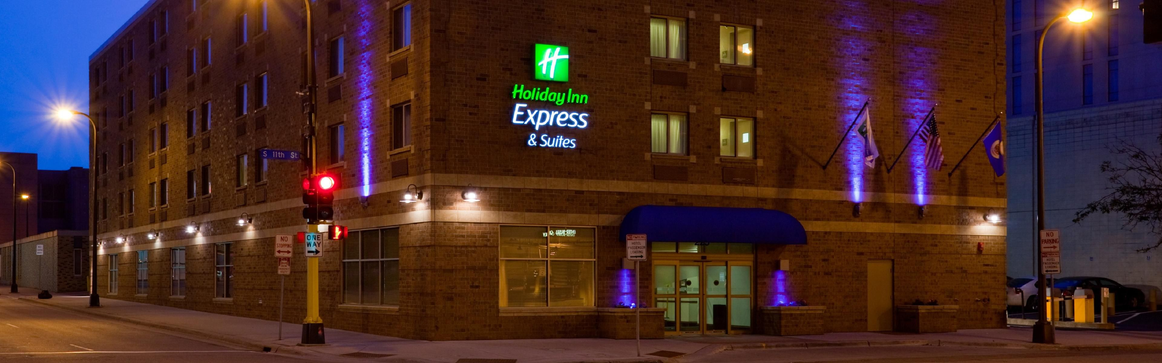 Holiday Inn Express & Suites Minneapolis-Dwtn (Conv Ctr) image 0
