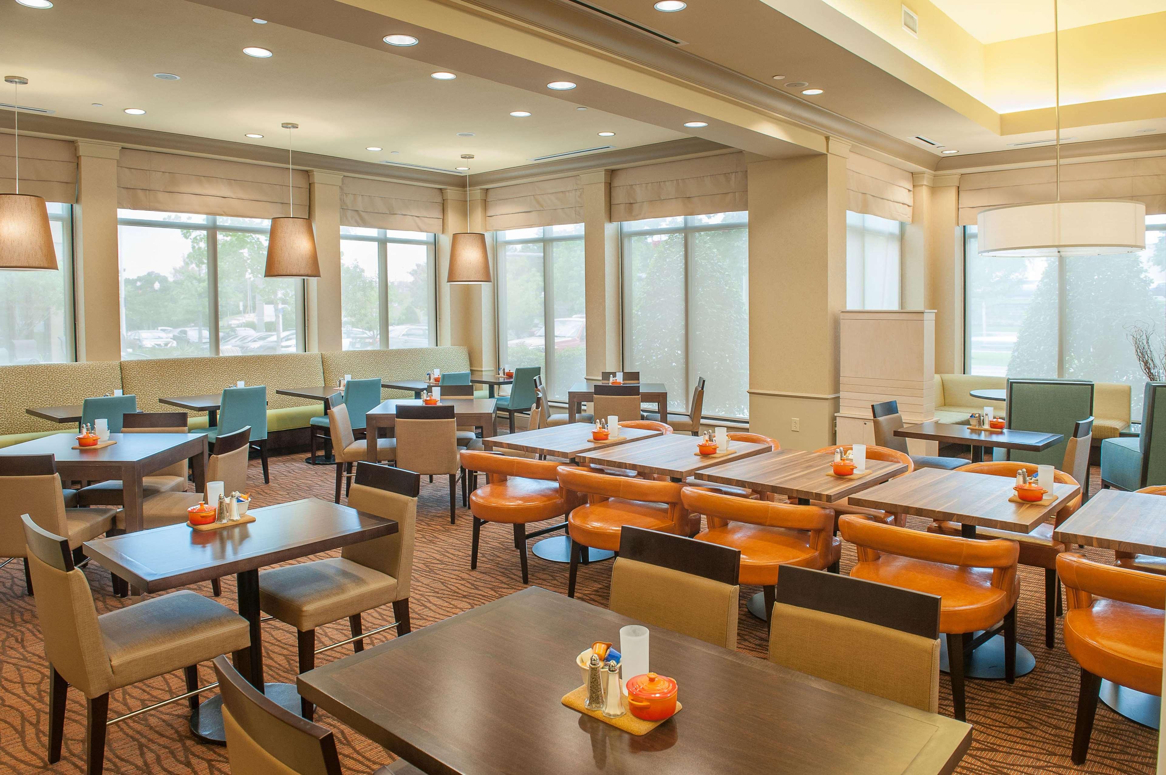 Hilton Garden Inn Pensacola Airport - Medical Center image 9