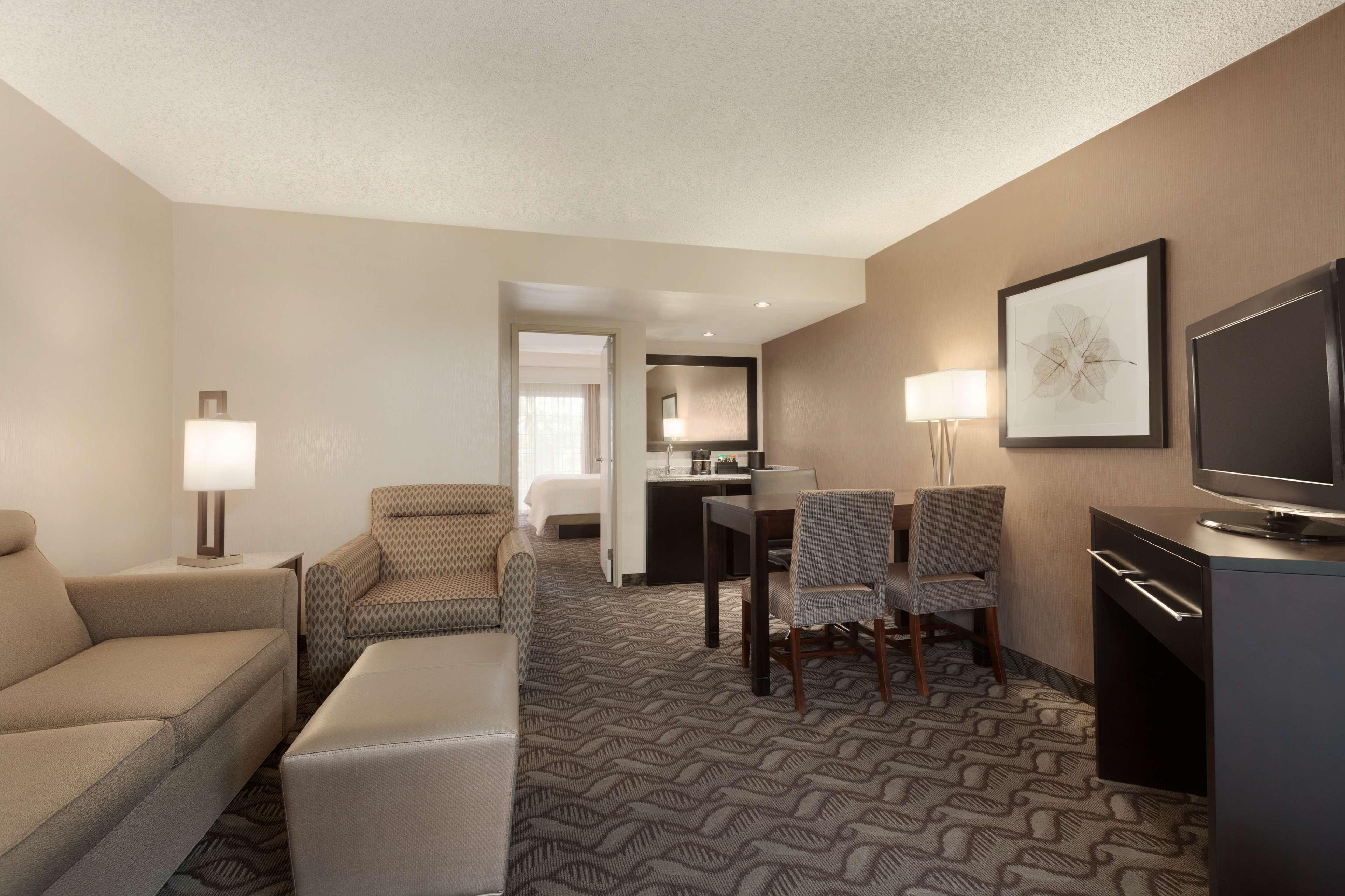 Embassy Suites by Hilton Arcadia Pasadena Area image 22