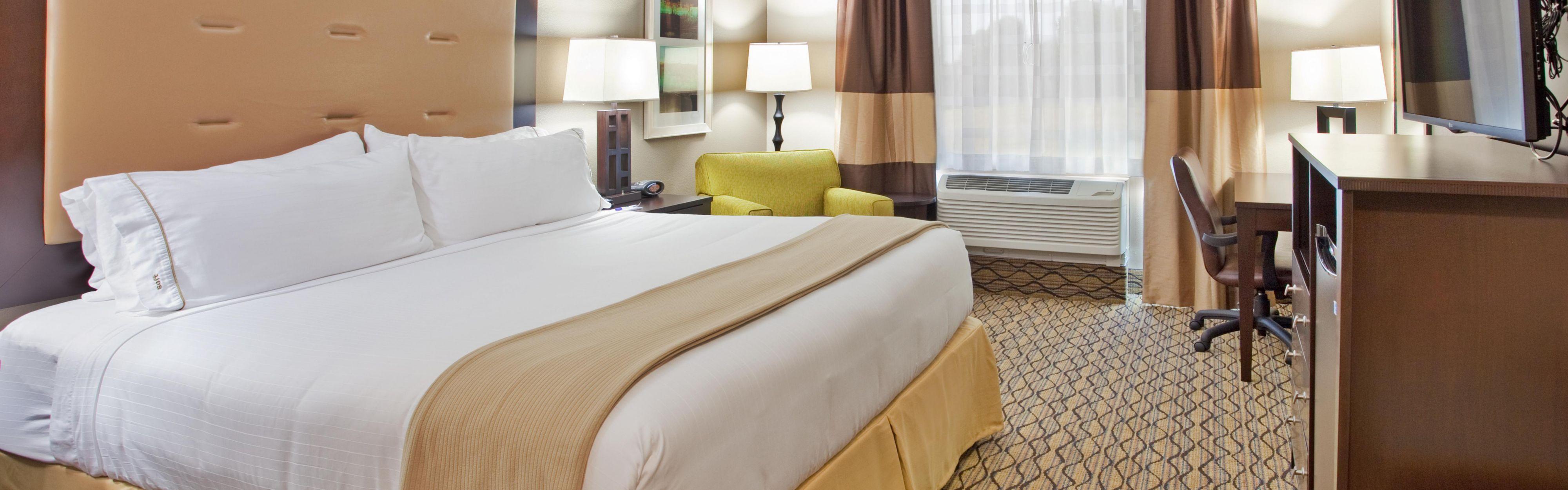 Holiday Inn Express & Suites St. Joseph image 1