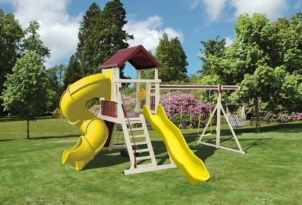 Outdoor Living and Play image 17