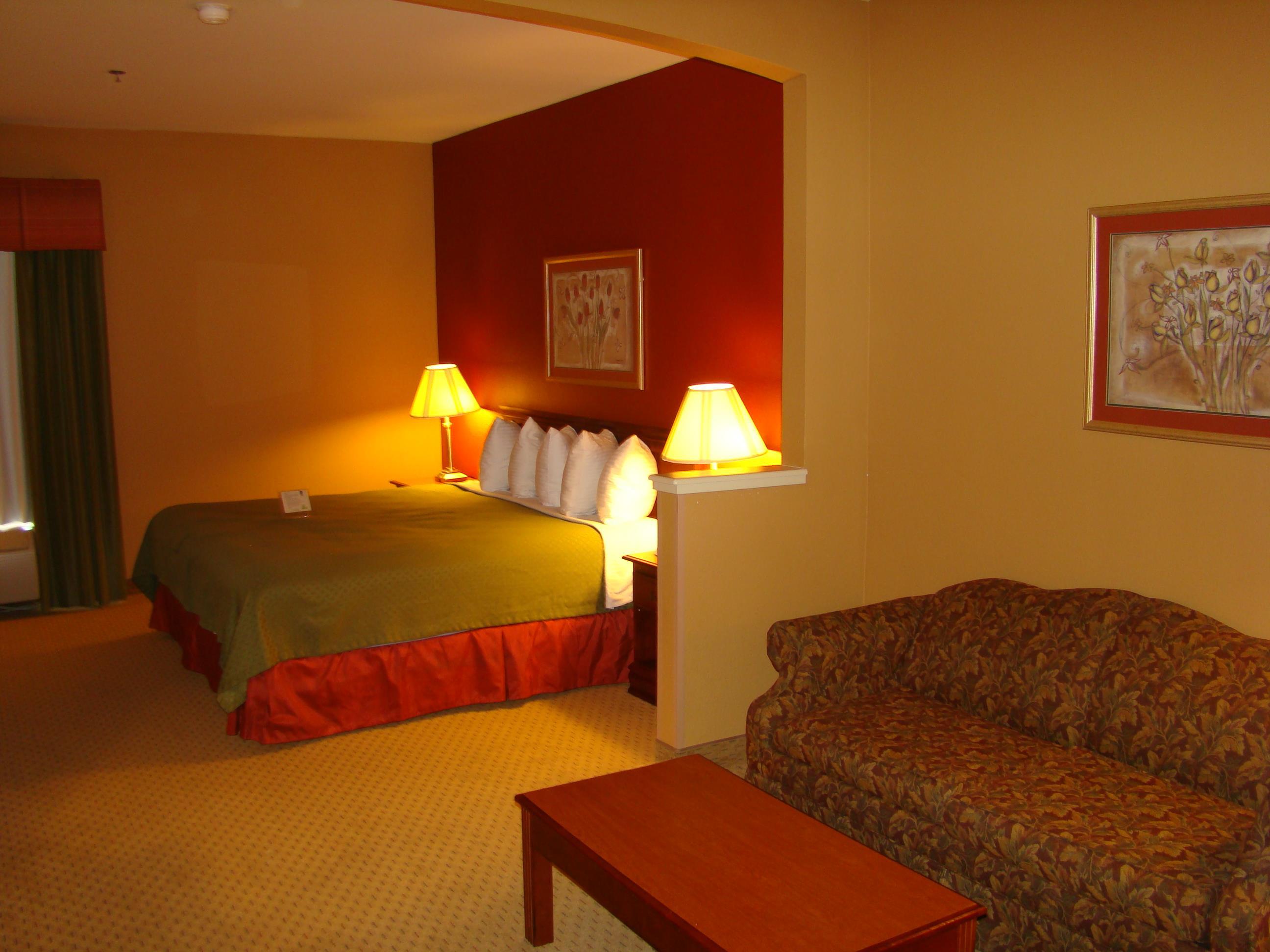 Best Western Plus Denton Inn & Suites image 44