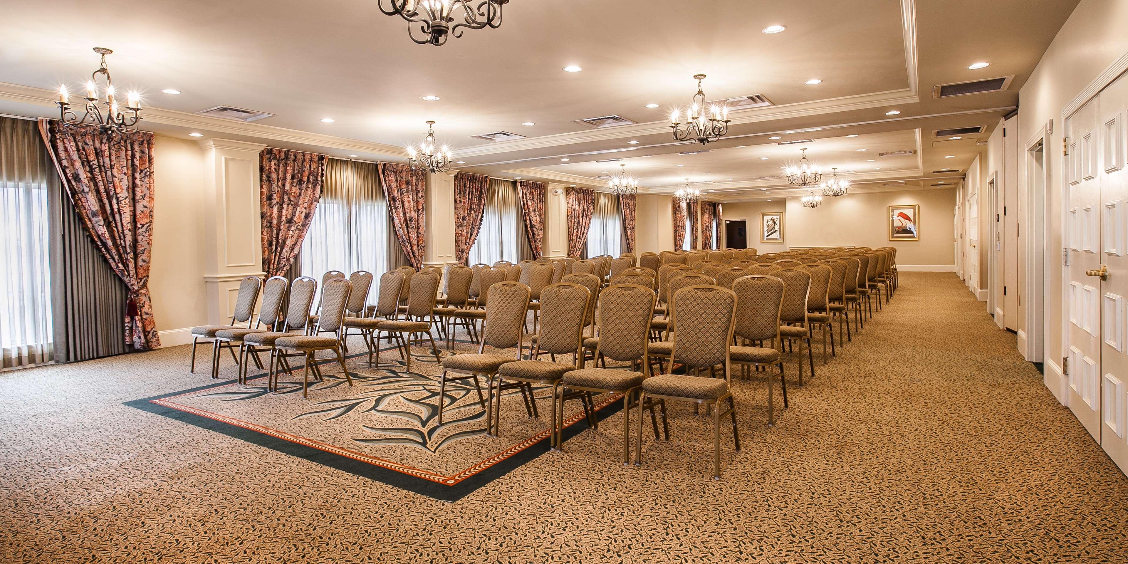 Hampton Inn & Suites Savannah Historic District image 43