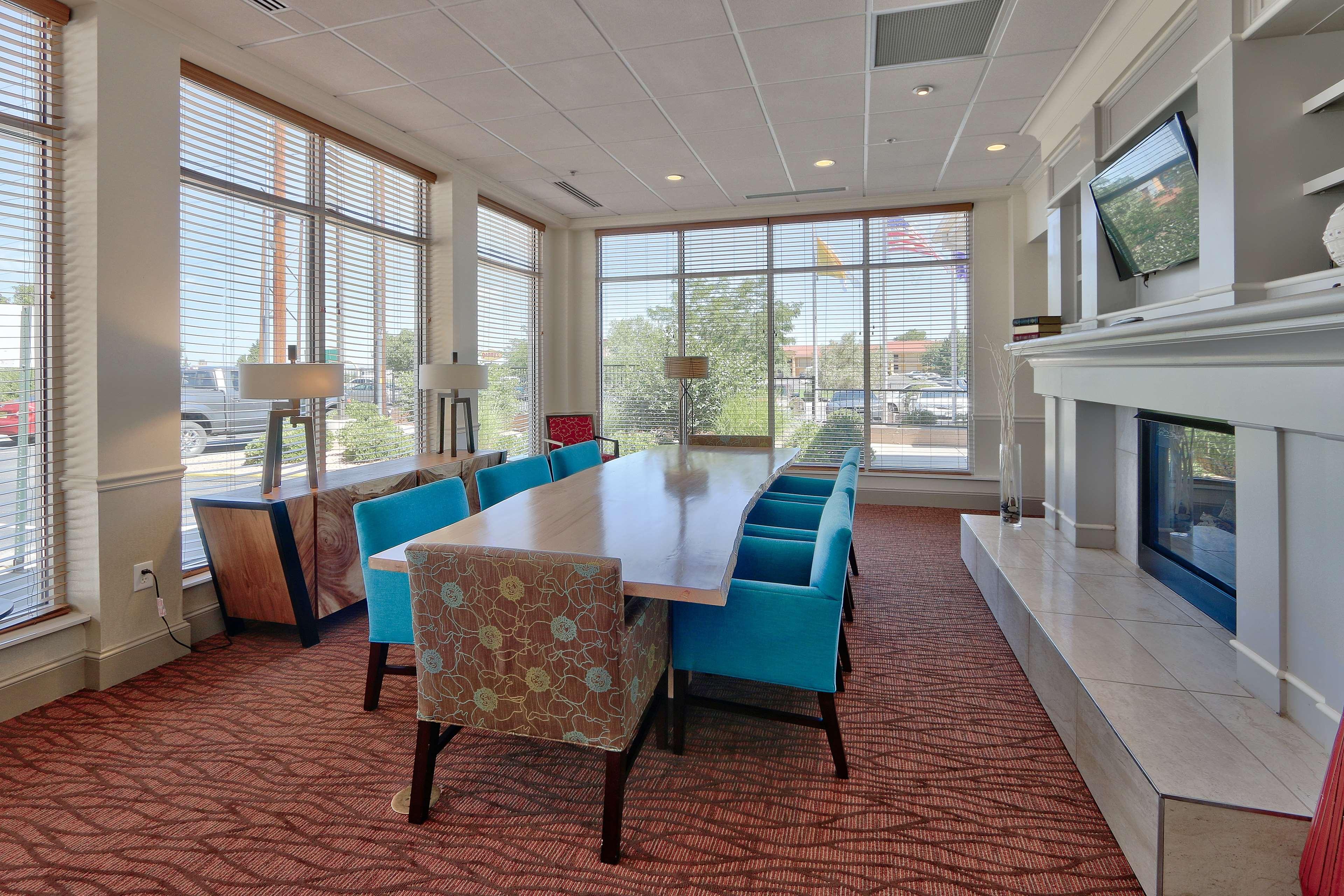 Hilton Garden Inn Albuquerque/Journal Center image 5