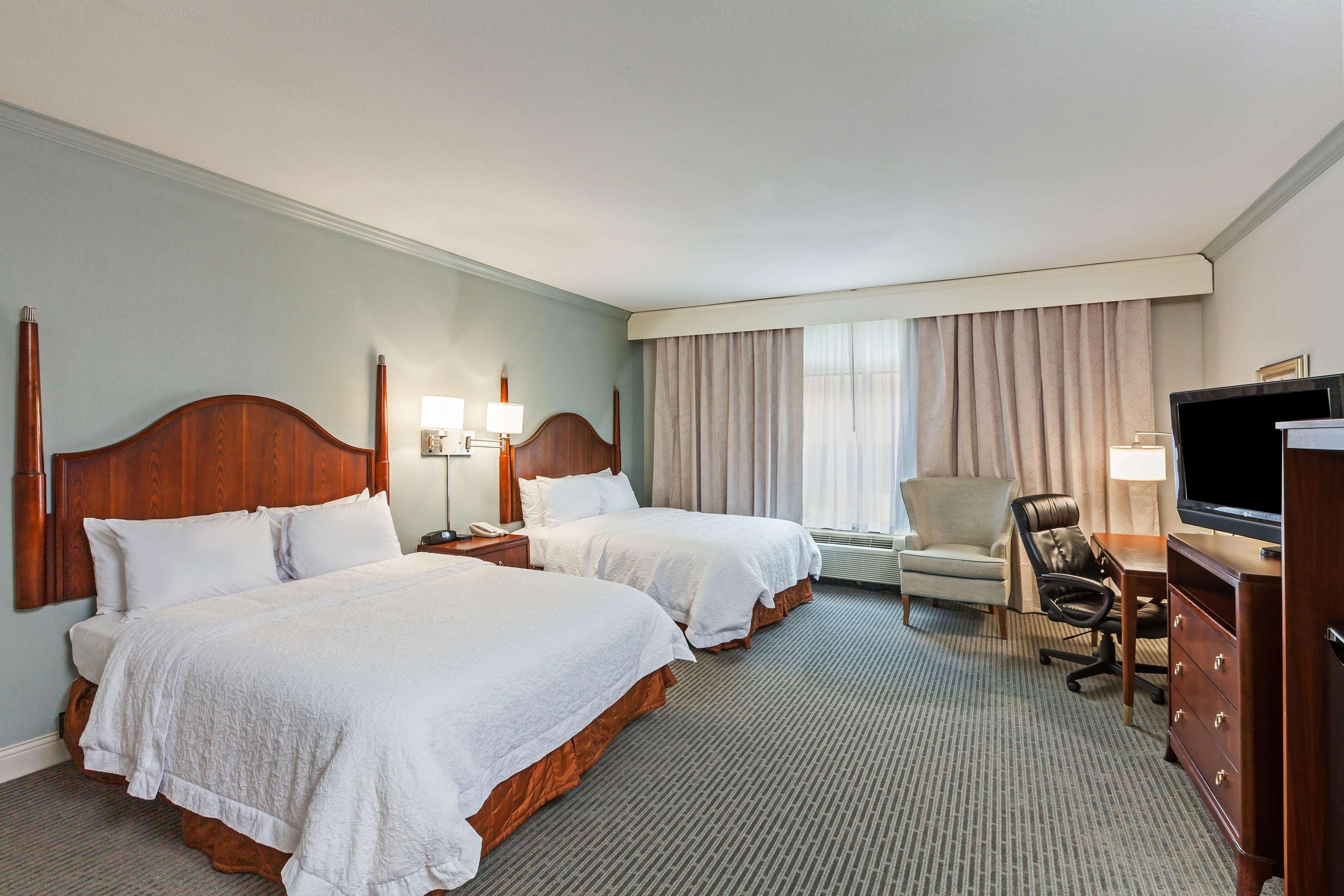 Hampton Inn & Suites Houston-Westchase image 24