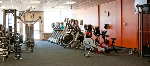 Everybodys Fitness Center image 2
