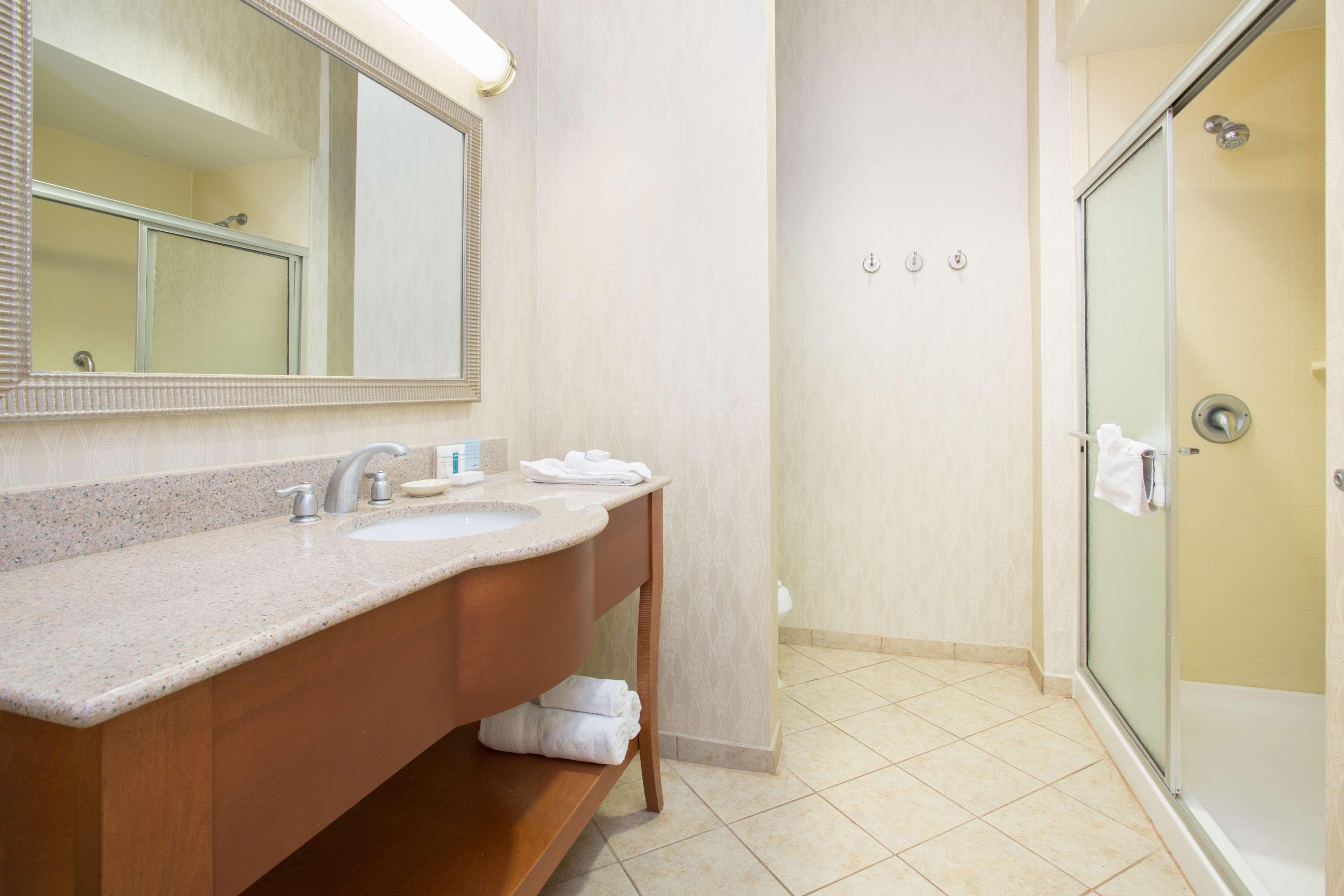 Hampton Inn Santa Rosa image 15
