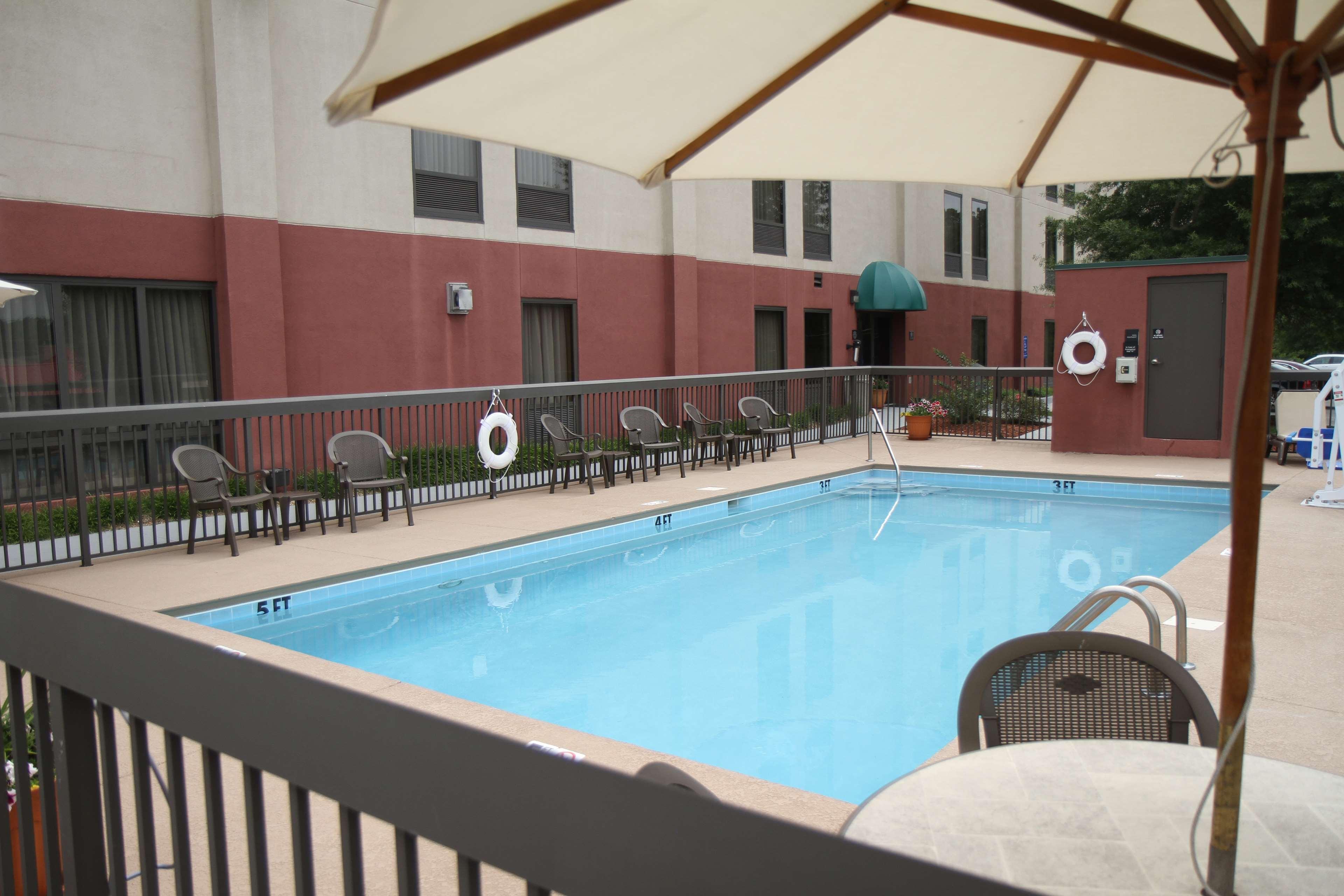 Hampton Inn Greeneville image 7