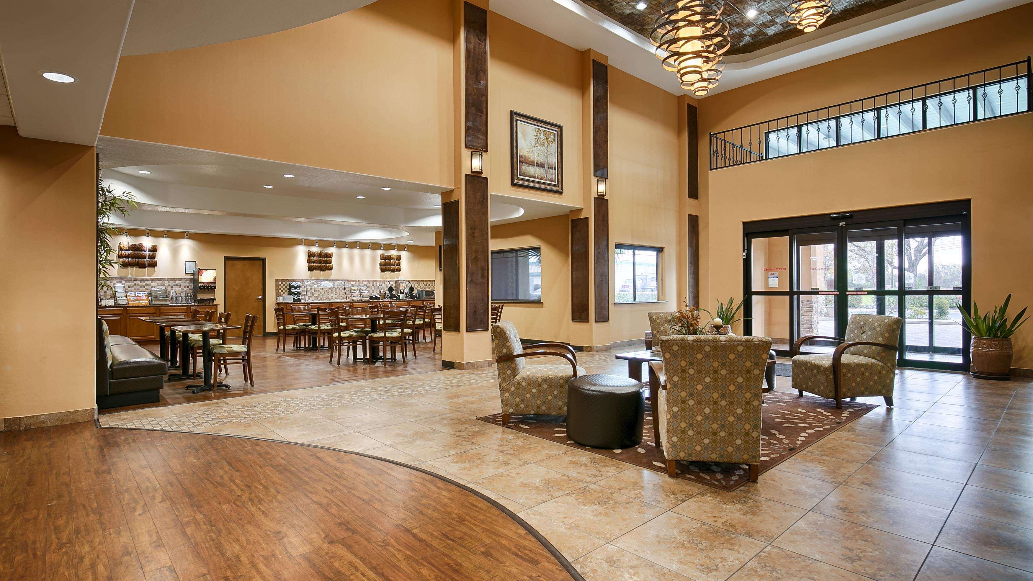 Best Western Plus Palo Alto Inn & Suites image 0