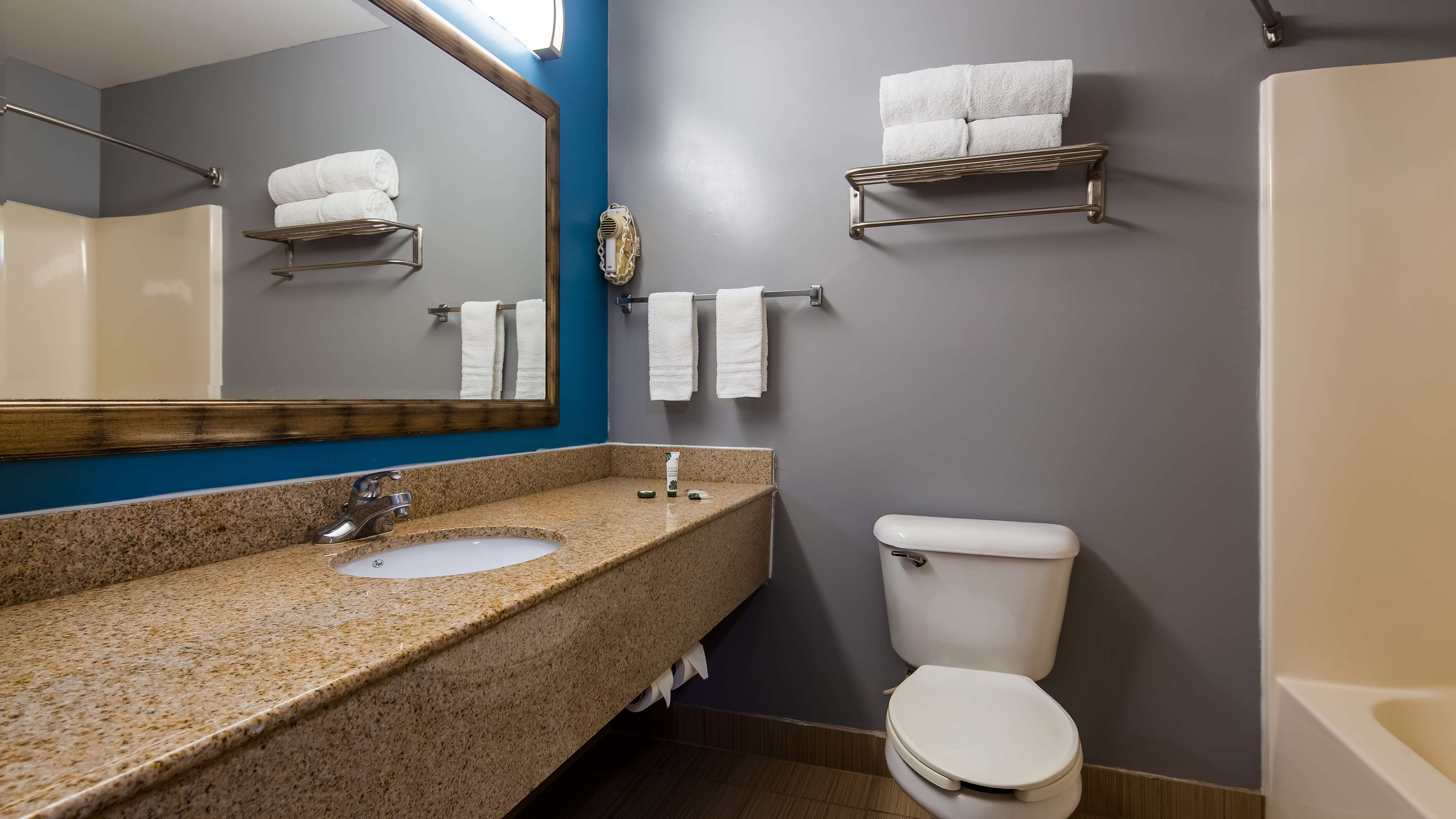 SureStay Plus Hotel by Best Western Evansville image 28