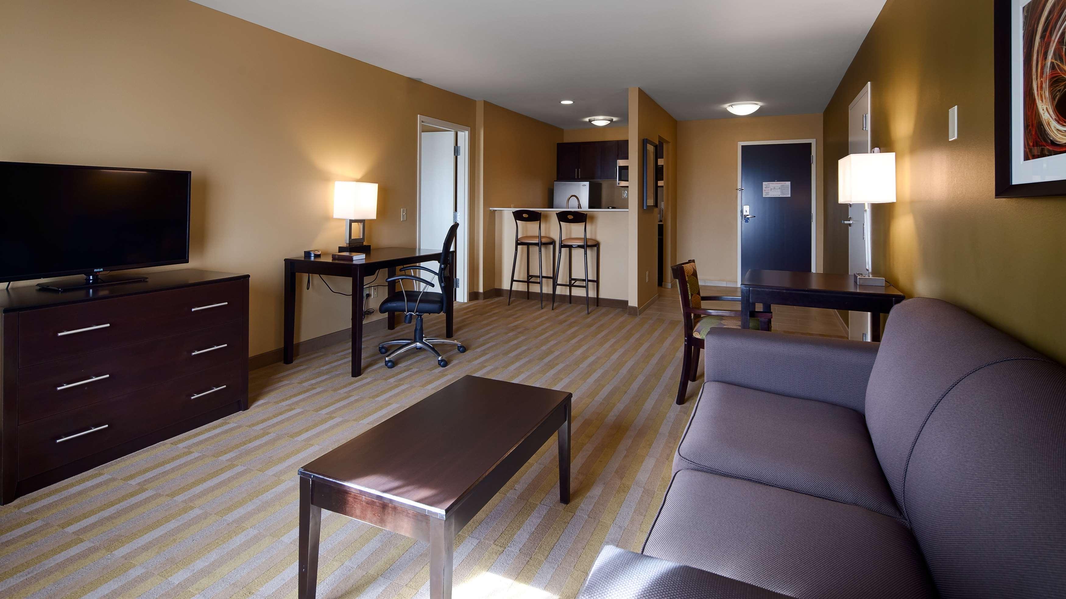 Best Western Plus Thornburg Inn & Suites image 16
