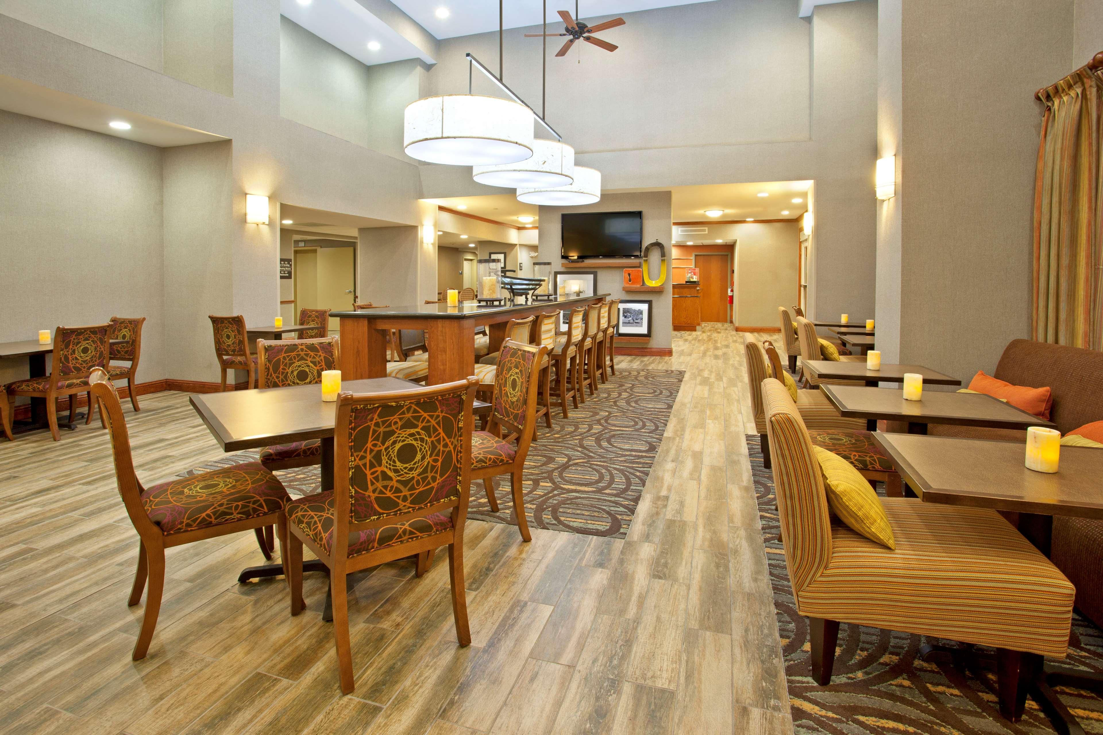 Hampton Inn & Suites Fort Worth-West-I-30 image 8