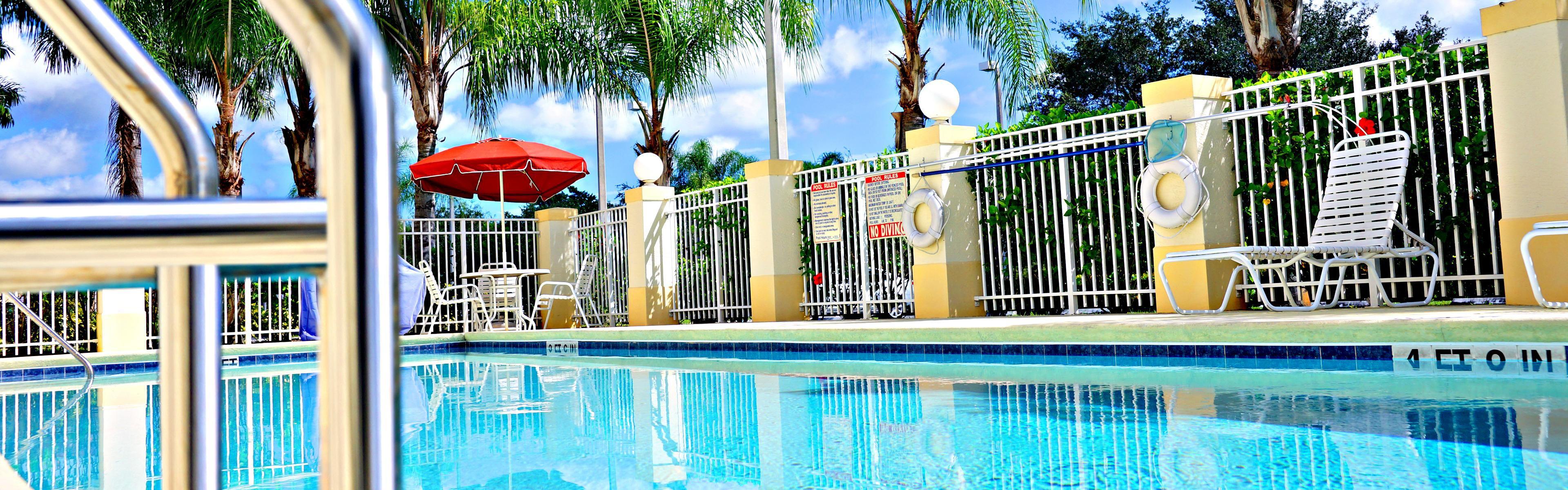 Holiday Inn Express Stuart image 2