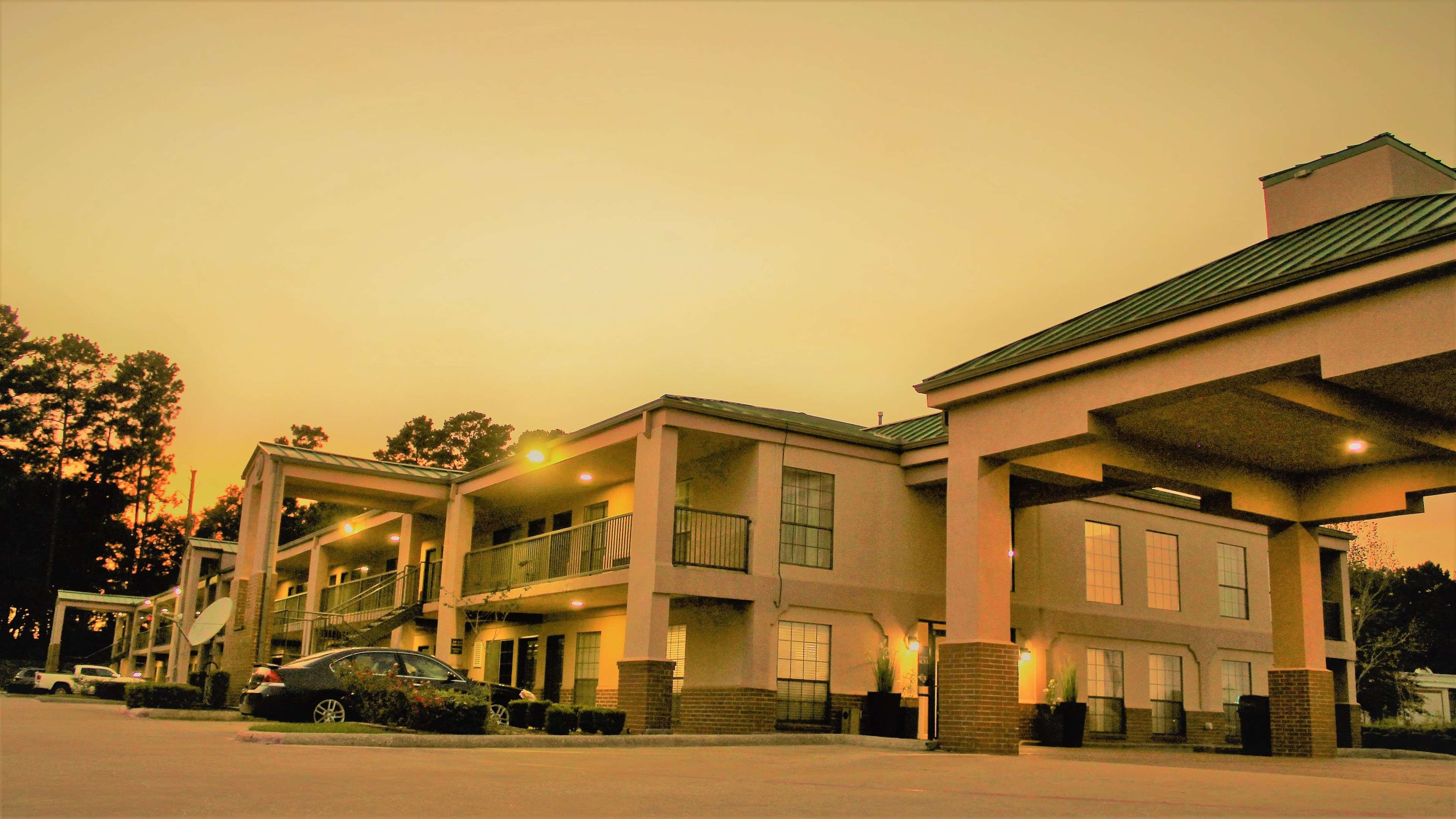 Best Western Inn of Nacogdoches image 9