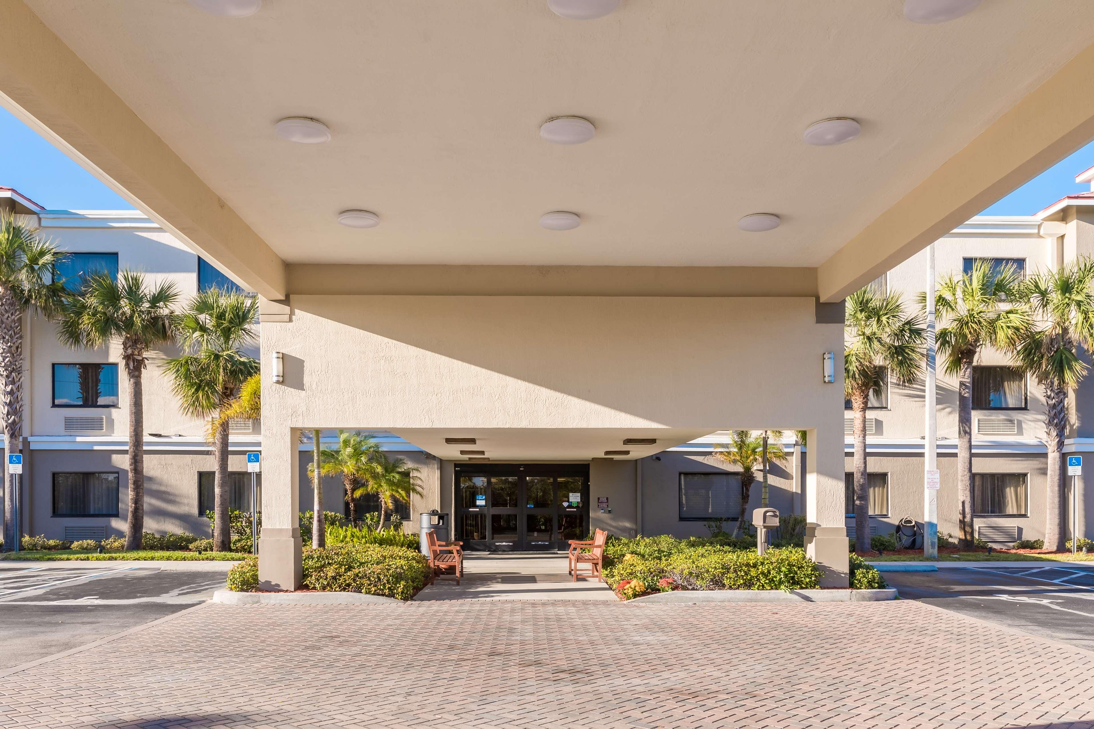 Best Western Plus Sebastian Hotel & Suites image 44