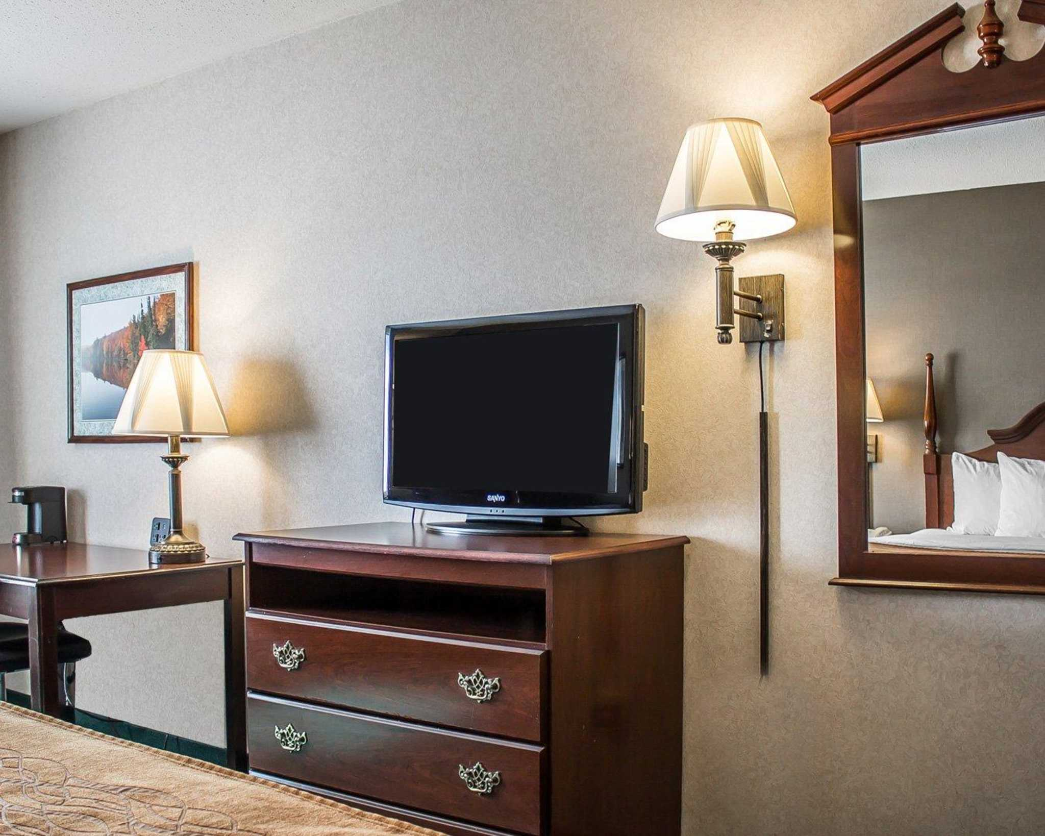 Quality Inn & Suites image 12
