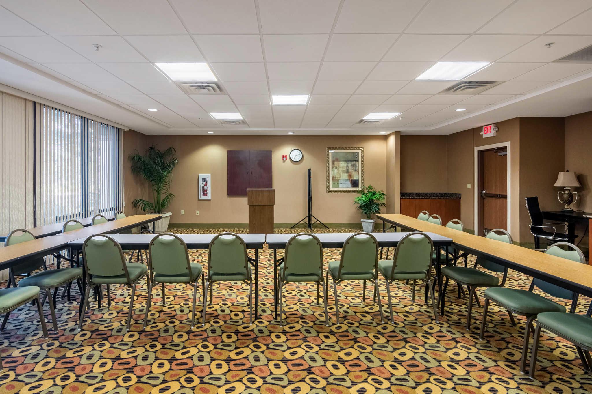 Comfort Suites image 28