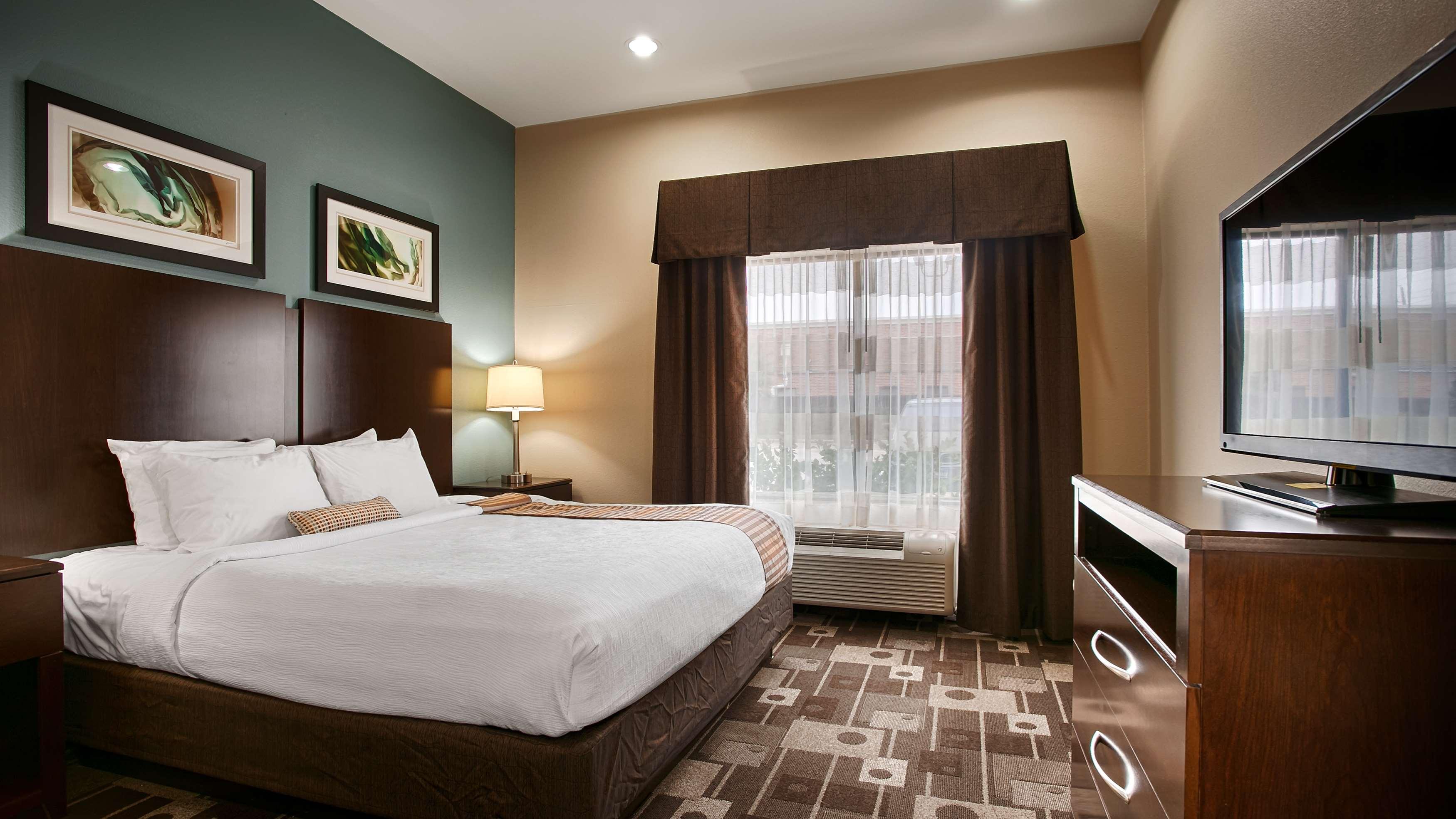 Best Western Plus JFK Inn & Suites image 12